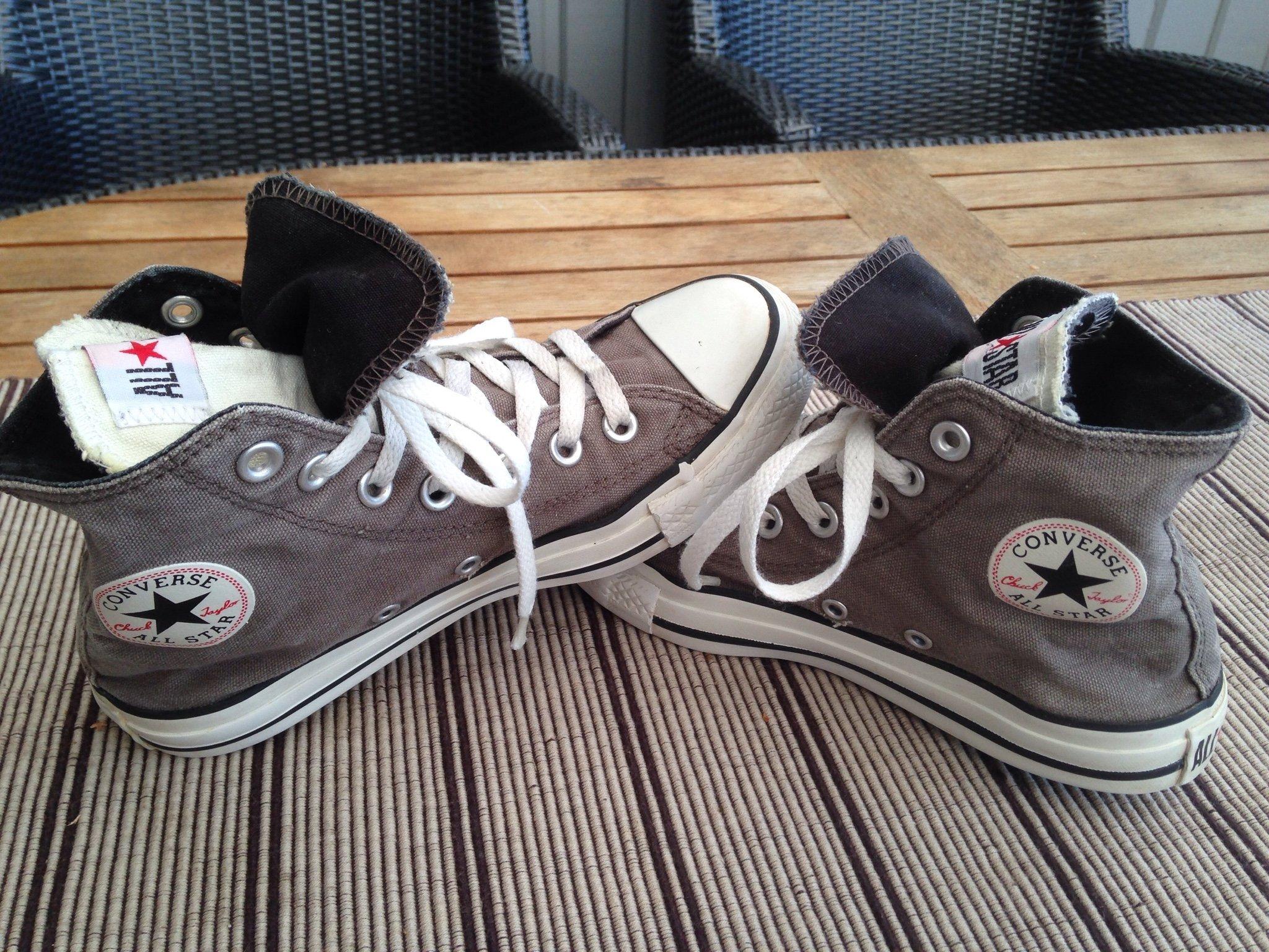 4d85d20fd6d Fina Röda Converse All Star Skor stl 36,5. (348052771) ᐈ Köp på Tradera