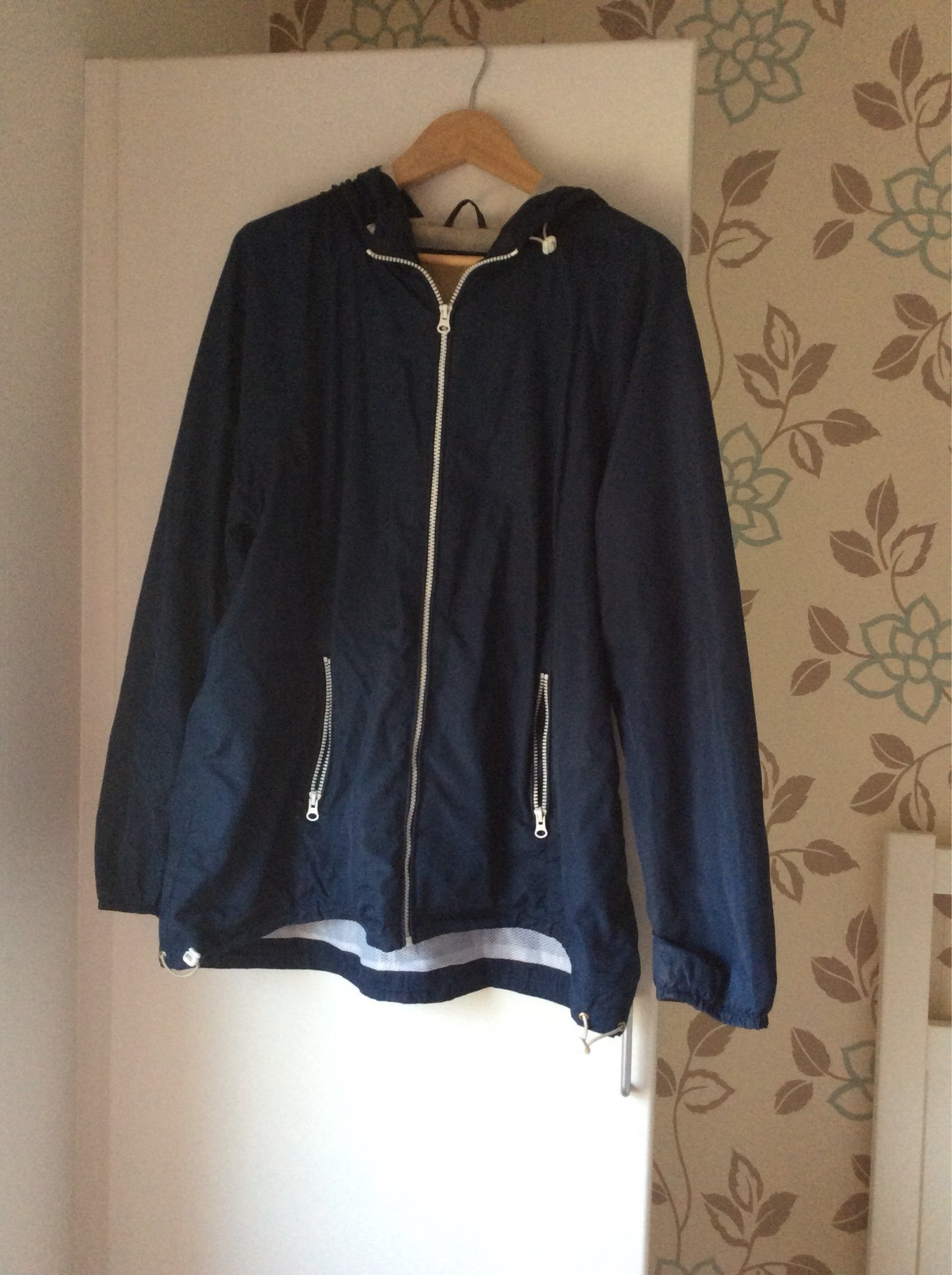 5d457eb33f94 Marinblå jacka från Zizzi strl M (44/46) (349088405) ᐈ Köp på Tradera
