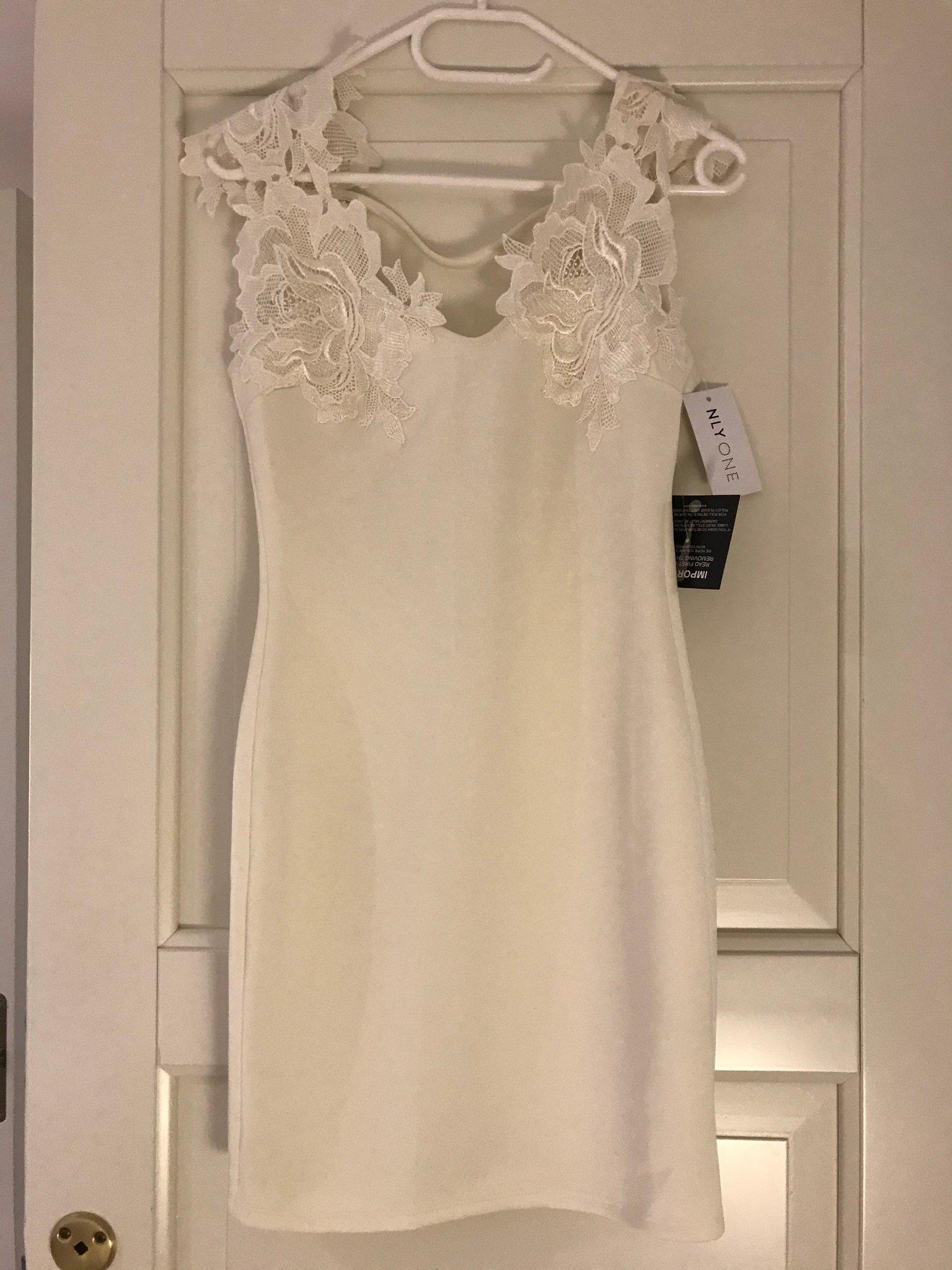 Svart figursydd klänning S36