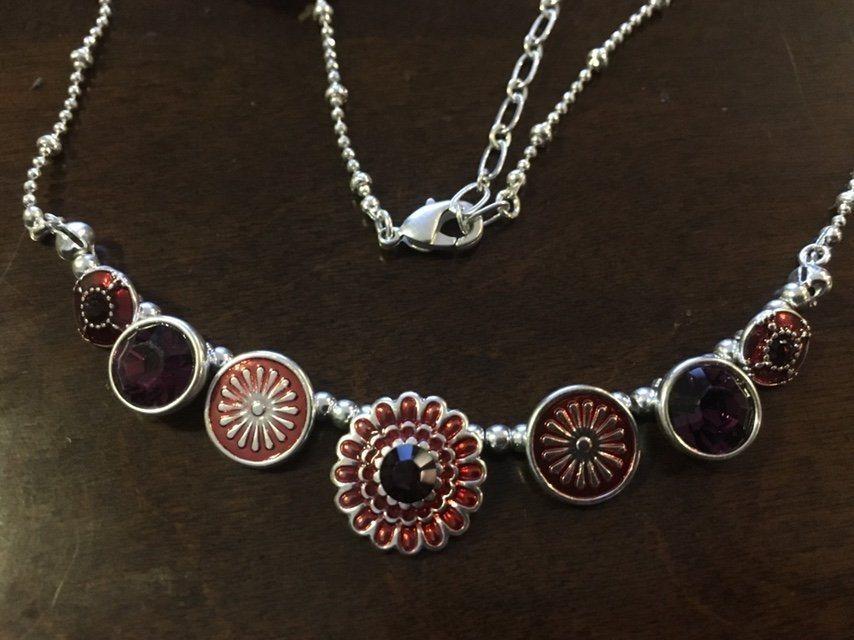 Halsband Pilgrim nytt (341702801) ᐈ Köp på Tradera d71ff7af11d6a