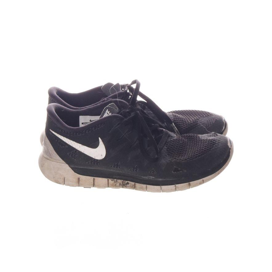 huge discount 8a142 08162 Nike, Löparskor, Strl  36, Svart Vit