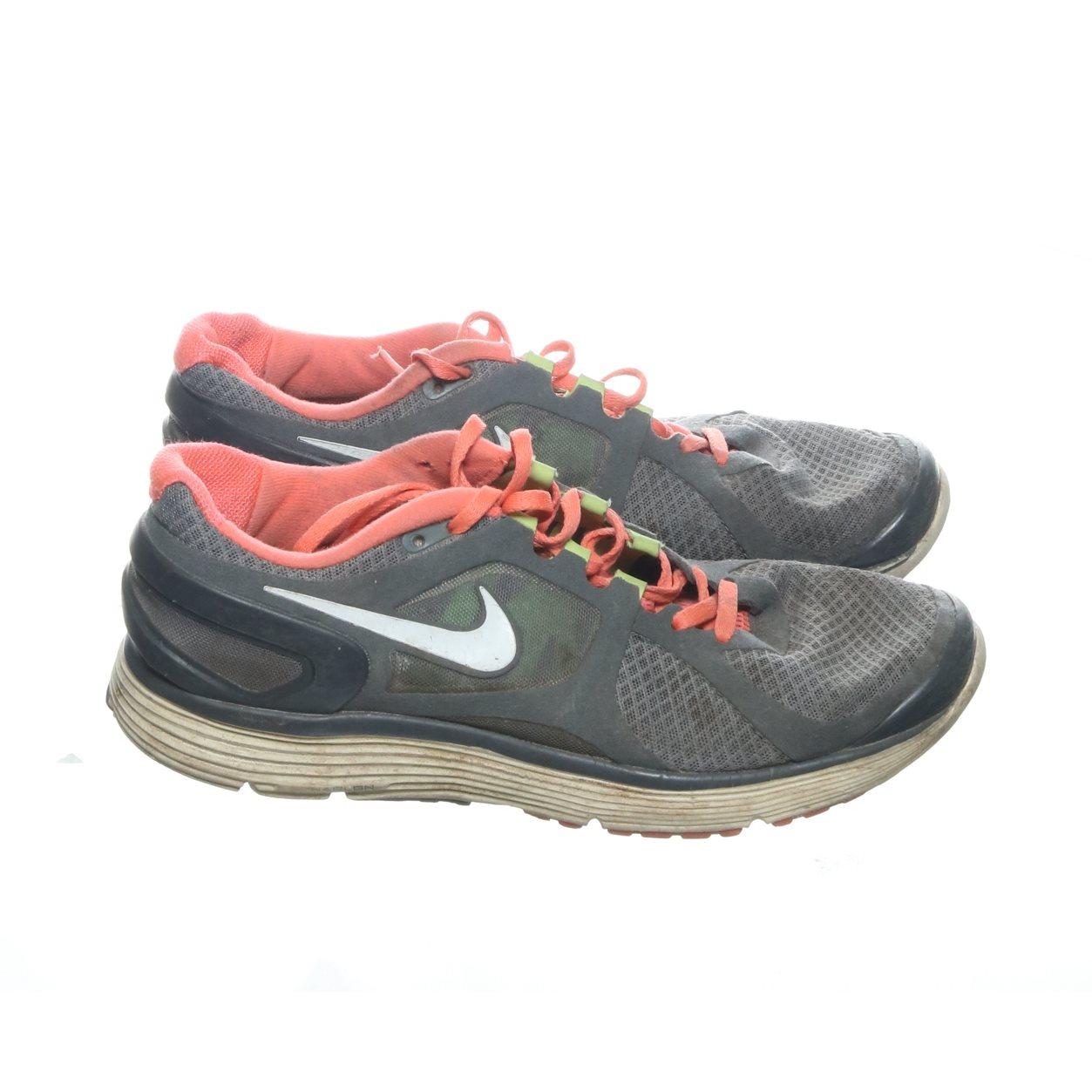 san francisco 7b829 3fb2e ... Dam Sverige Nike LunarTempo Löparskor CrimsonVoltVitLight  new styles  ee4a5 ae00e Nike, Träningsskor, Strl 40, GråRosaVit