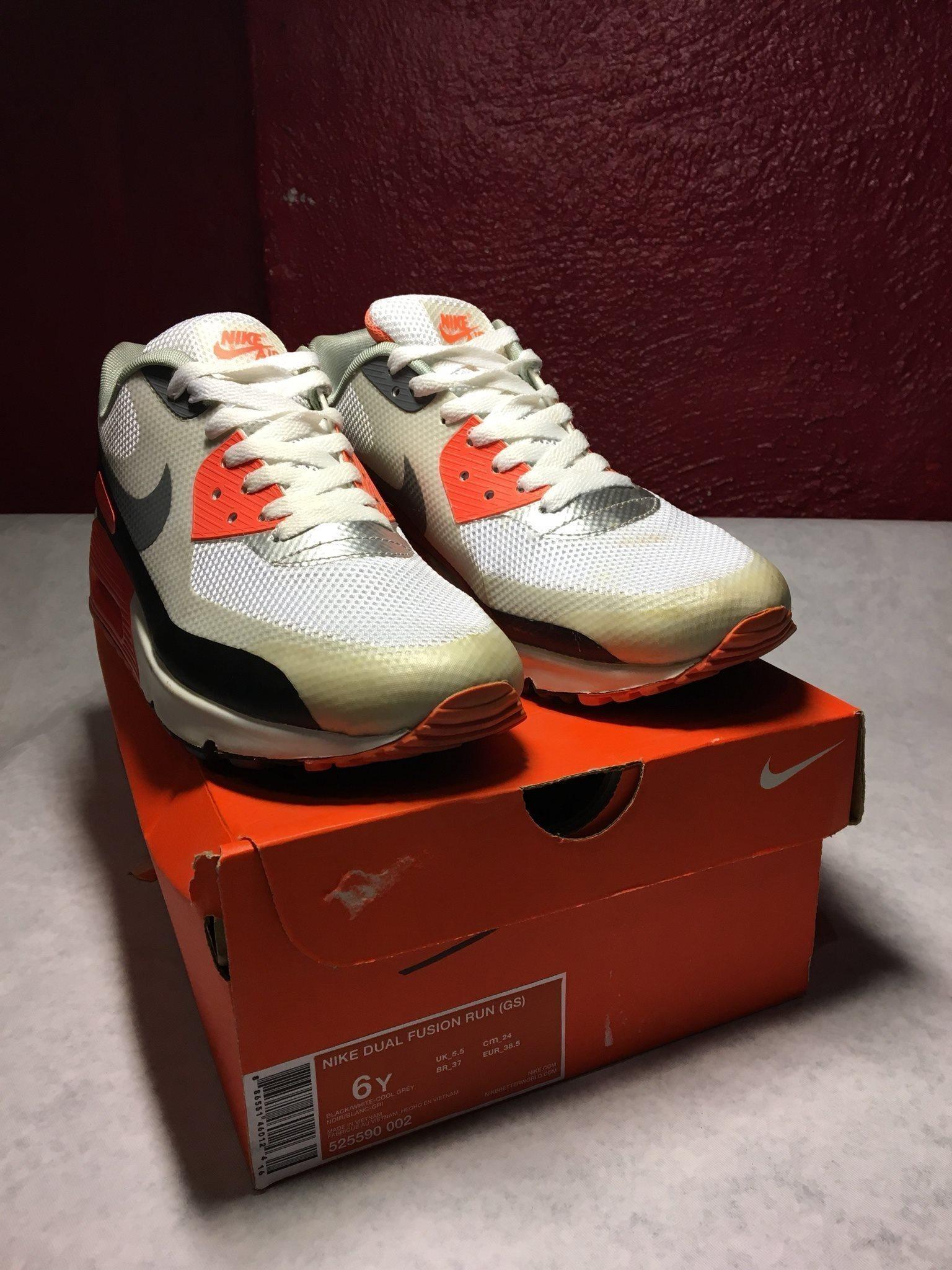 köpa skor från usa Silver Orange Nike Air Max Sneakers