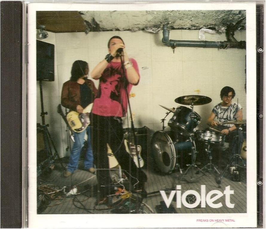 VIOLET -FREAKS ON HEAVY METAL