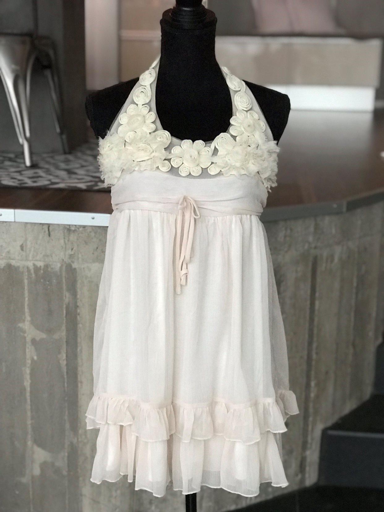 64735a34c7f6 Ursöt klänning blommor och volanger! (333731195) ᐈ Köp på Tradera