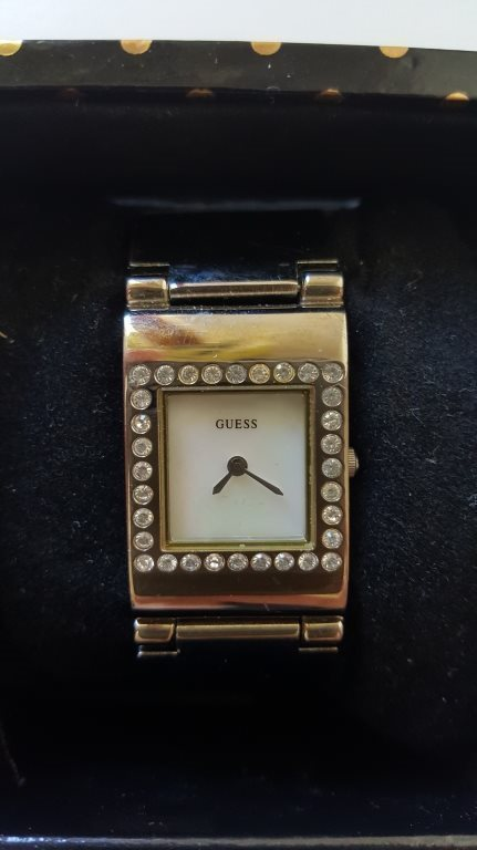 köpa guess klocka
