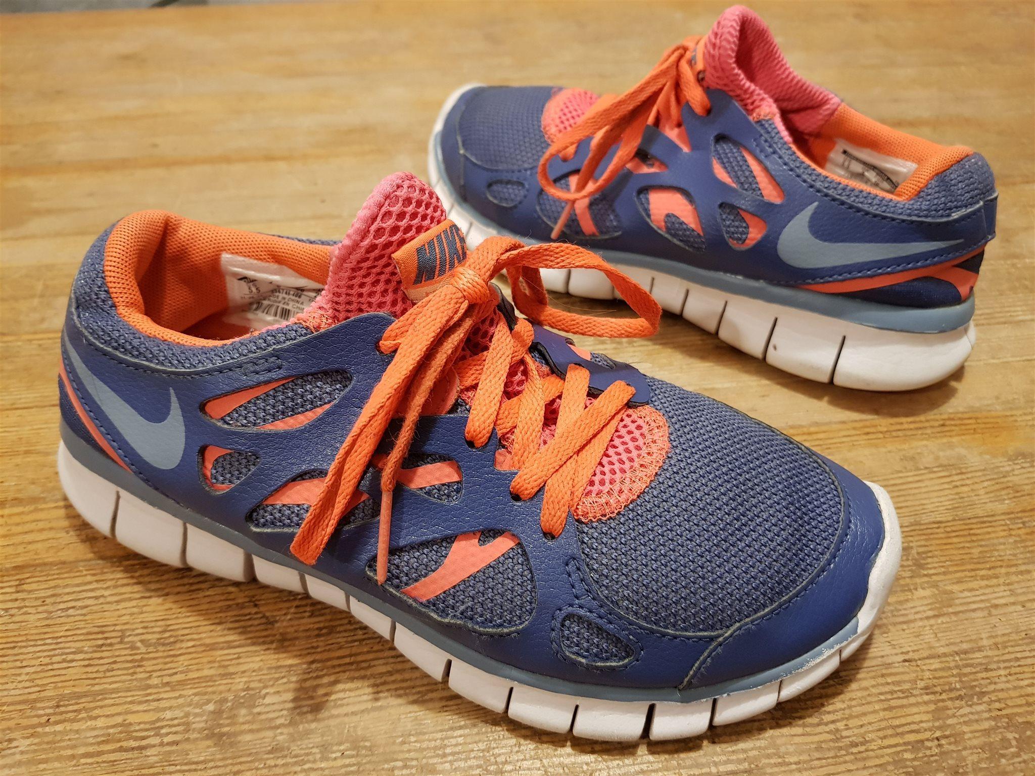 hot sale online 990c2 c3aea Löparskor sportskor Nike Free Run 2 fritidsskor str 36 i fint skick
