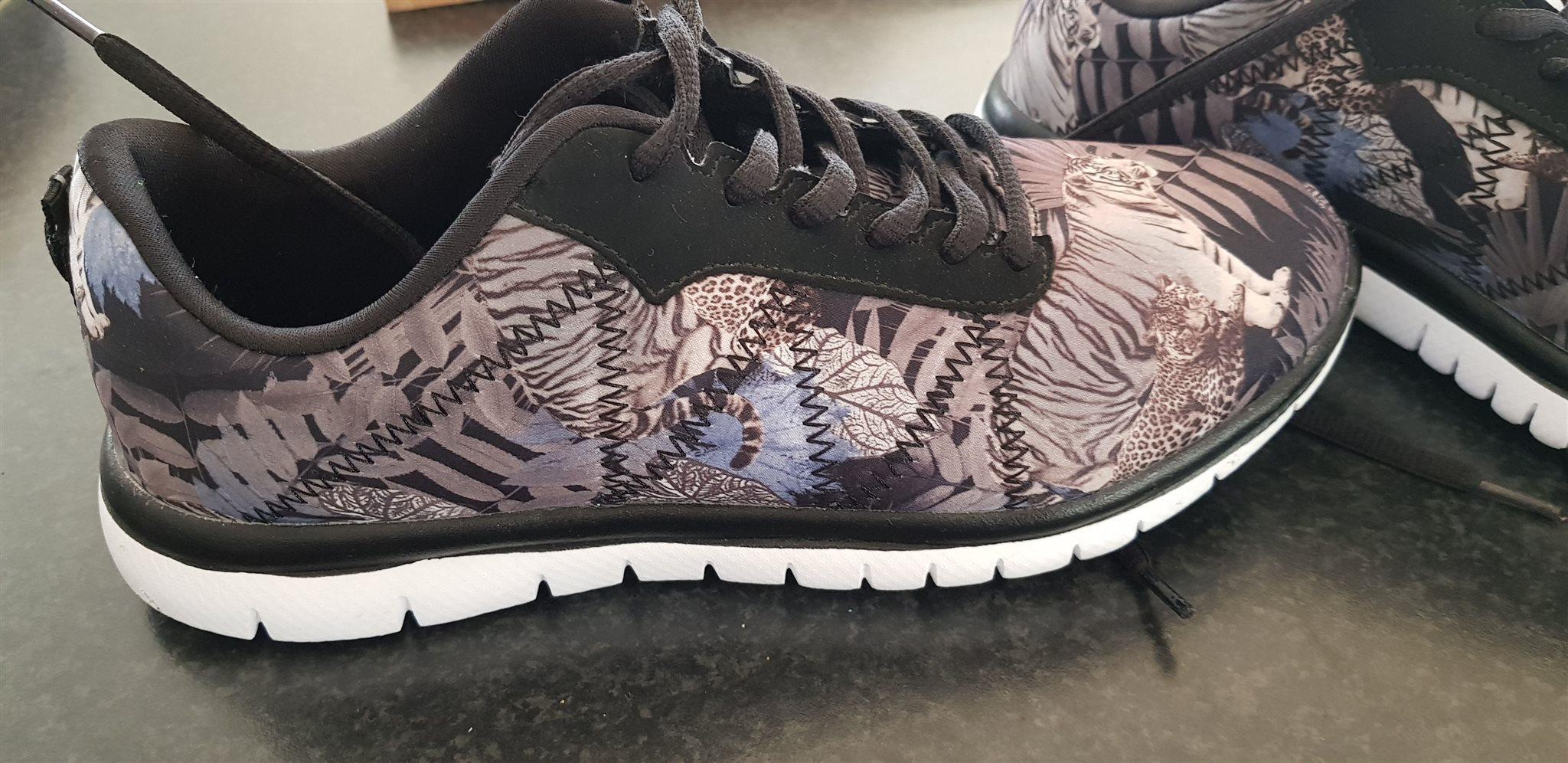 b792d53ba14 Duffy 39 sneakers (322719838) ᐈ Köp på Tradera