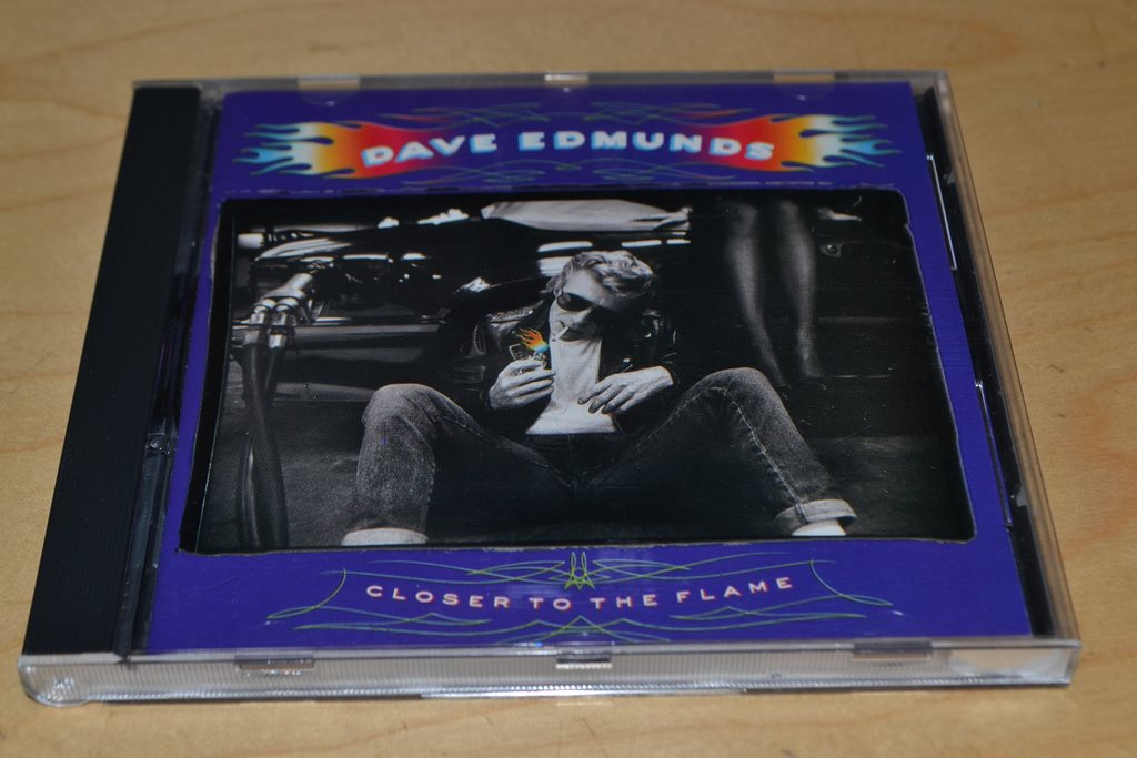 DAVE EDMUNDS - CLOSER TO THE FLAME.