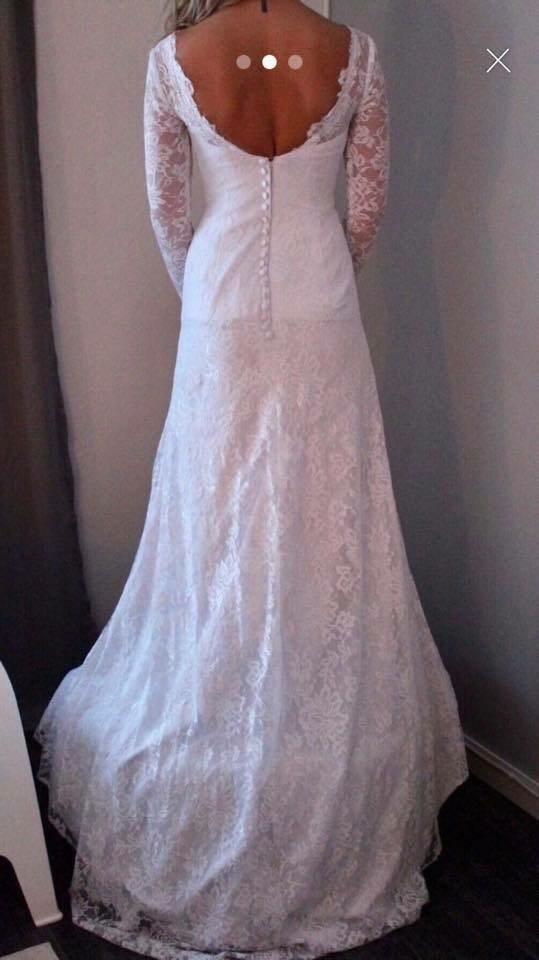 38c4b377593f Vacker brudklänning i spets bröllopsklänning st.. (336264857) ᐈ Köp ...