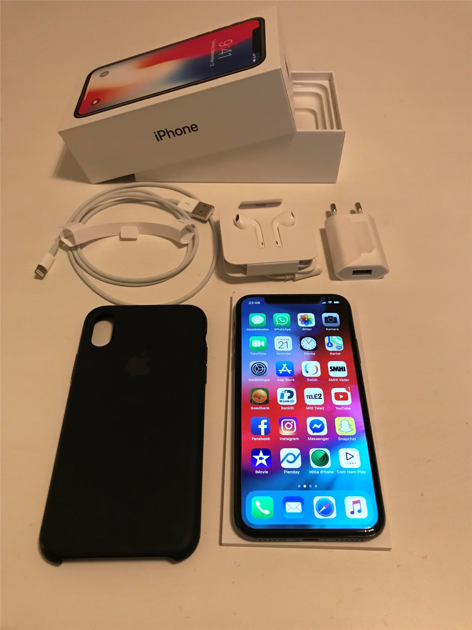 IPhone X med garanti och nyskick (337118636) ᐈ Köp på Tradera 68f58762826bf