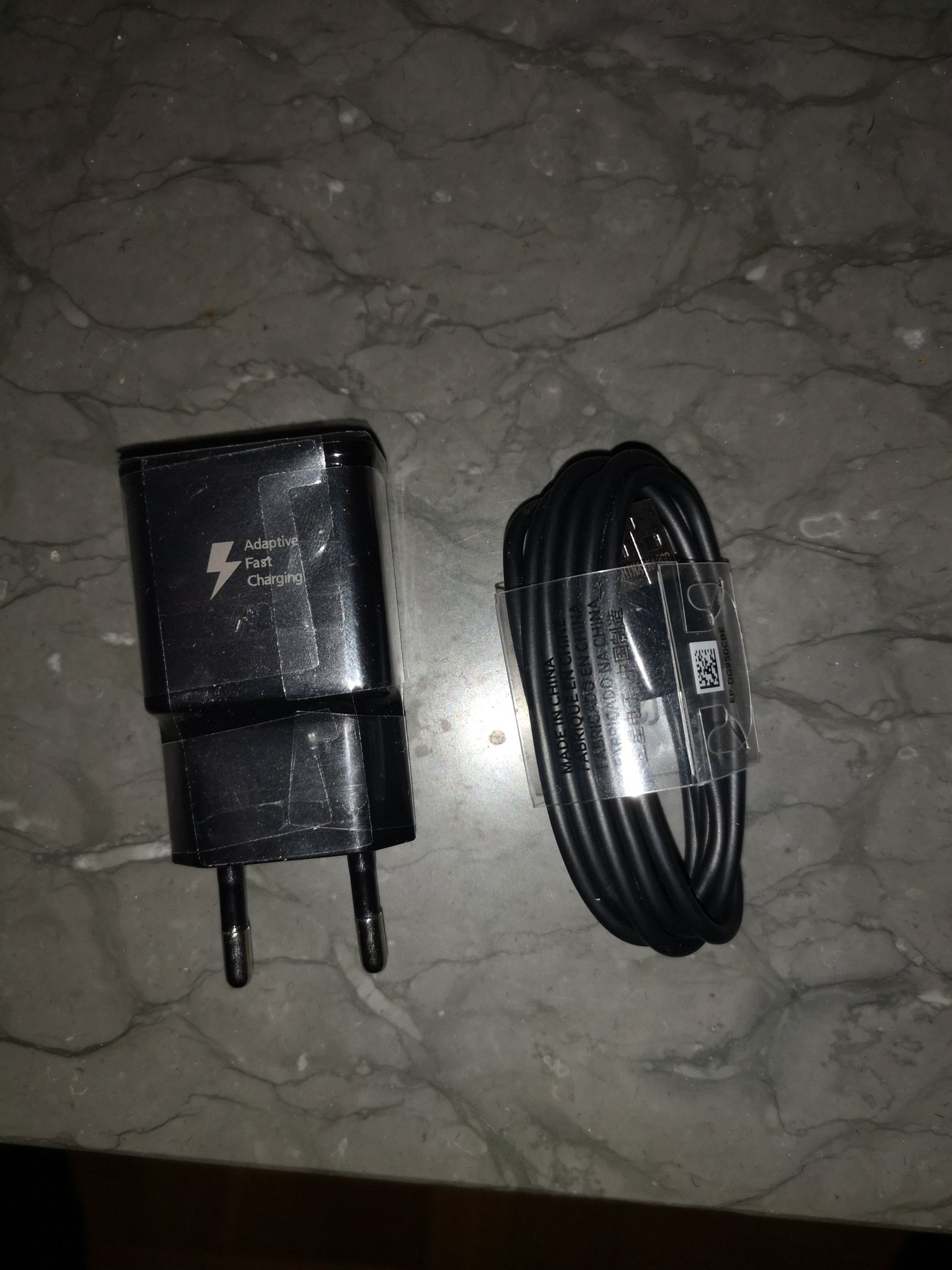 2st Samsung laddare Charger Bra kvalitet S10, S10+, S10E, S9, S9+, S8, S8+, Note