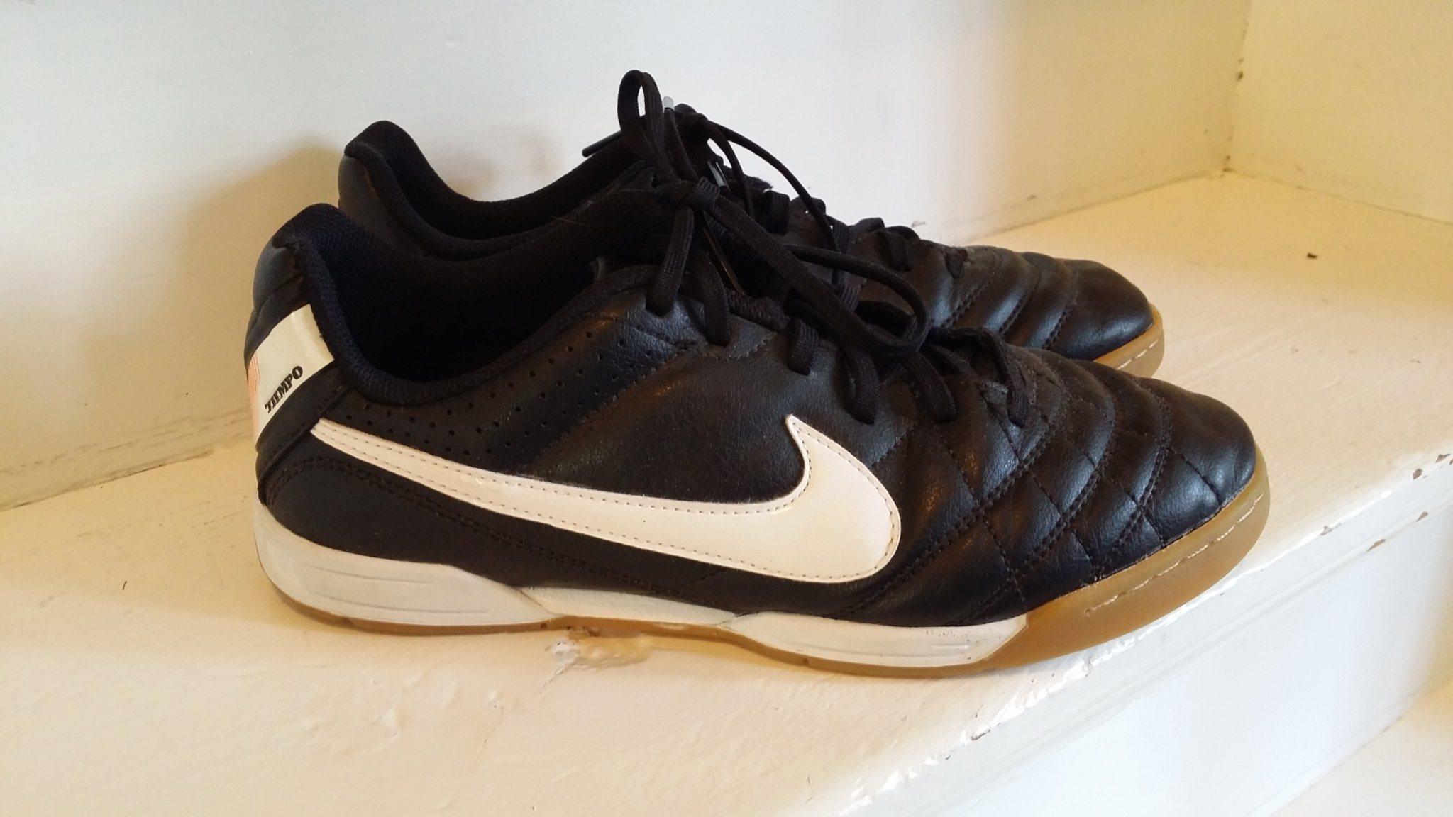 Nike tiempo fotbollsskor inne i stl 36 9afb89376b483