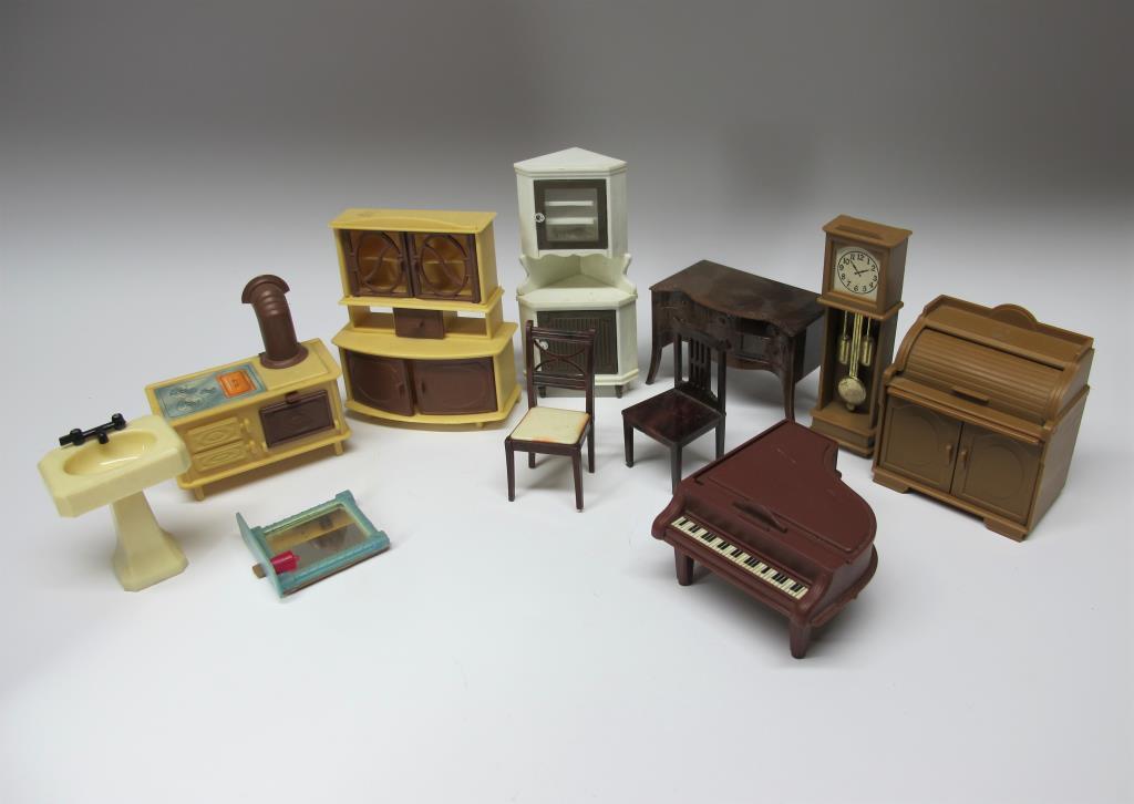 Vardagsrum Retro : Jean renwal brio plast möbler vardagsrum retro dockskåp på