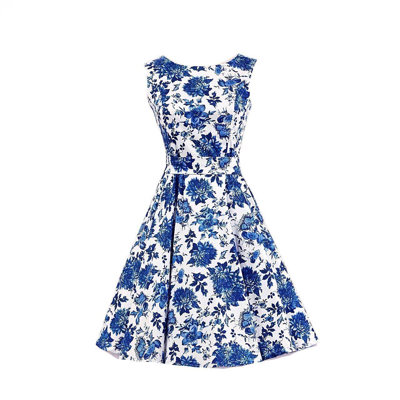 vit klänning med blåa blommor