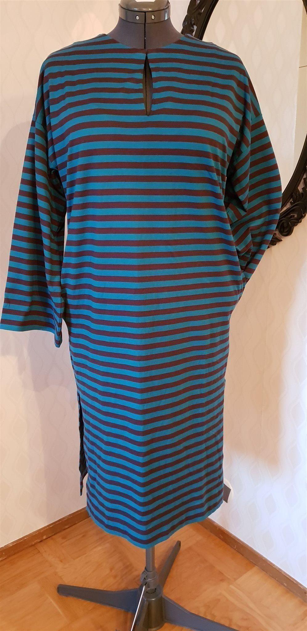 ab8252fd2177 Marimekko klänning. Strl M (Passar även L) Ny! Ränder. Finsk design  Marimekko klänning.