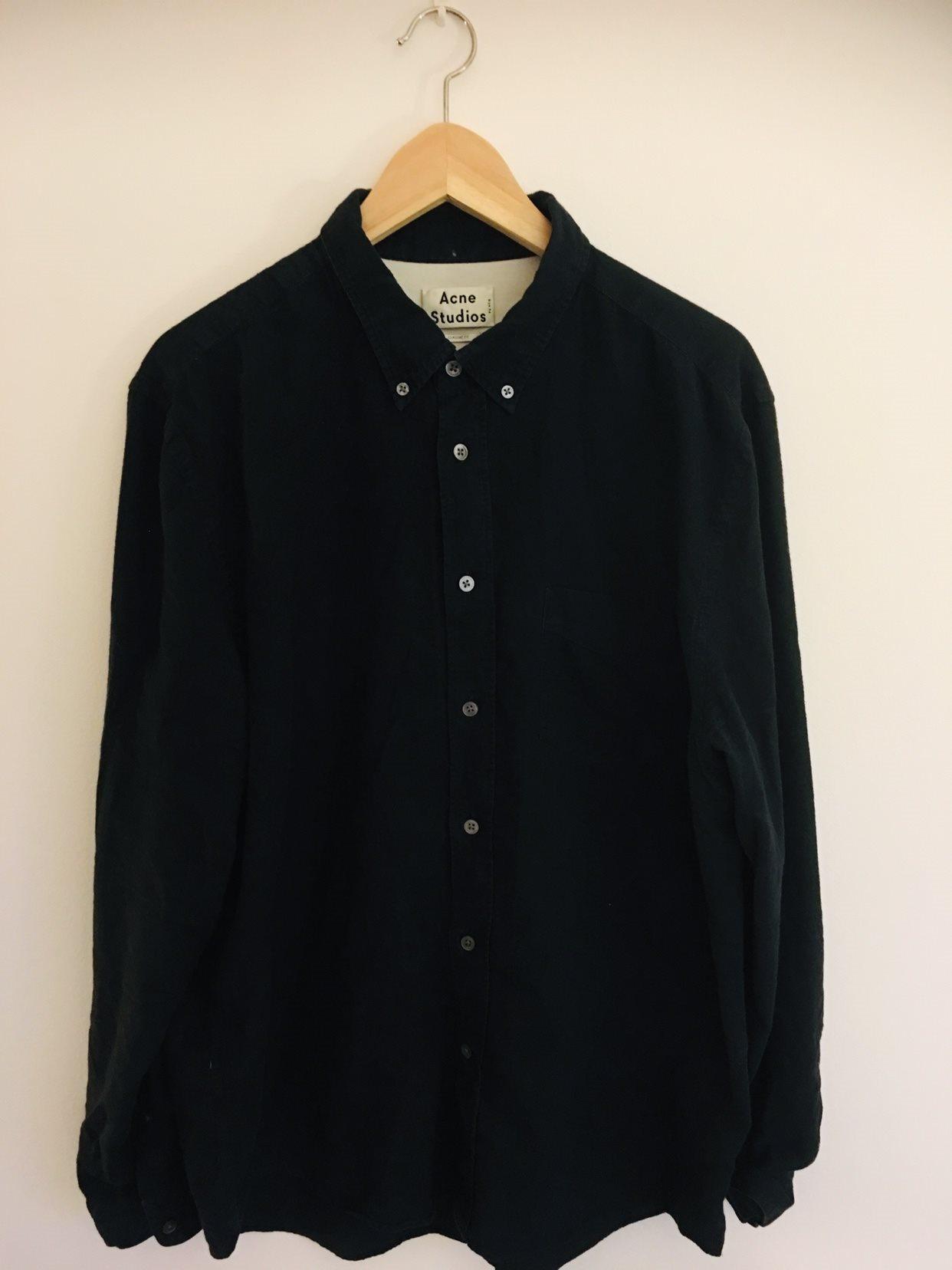 ACNE STUDIOS - svart skjorta - strl 54/XL