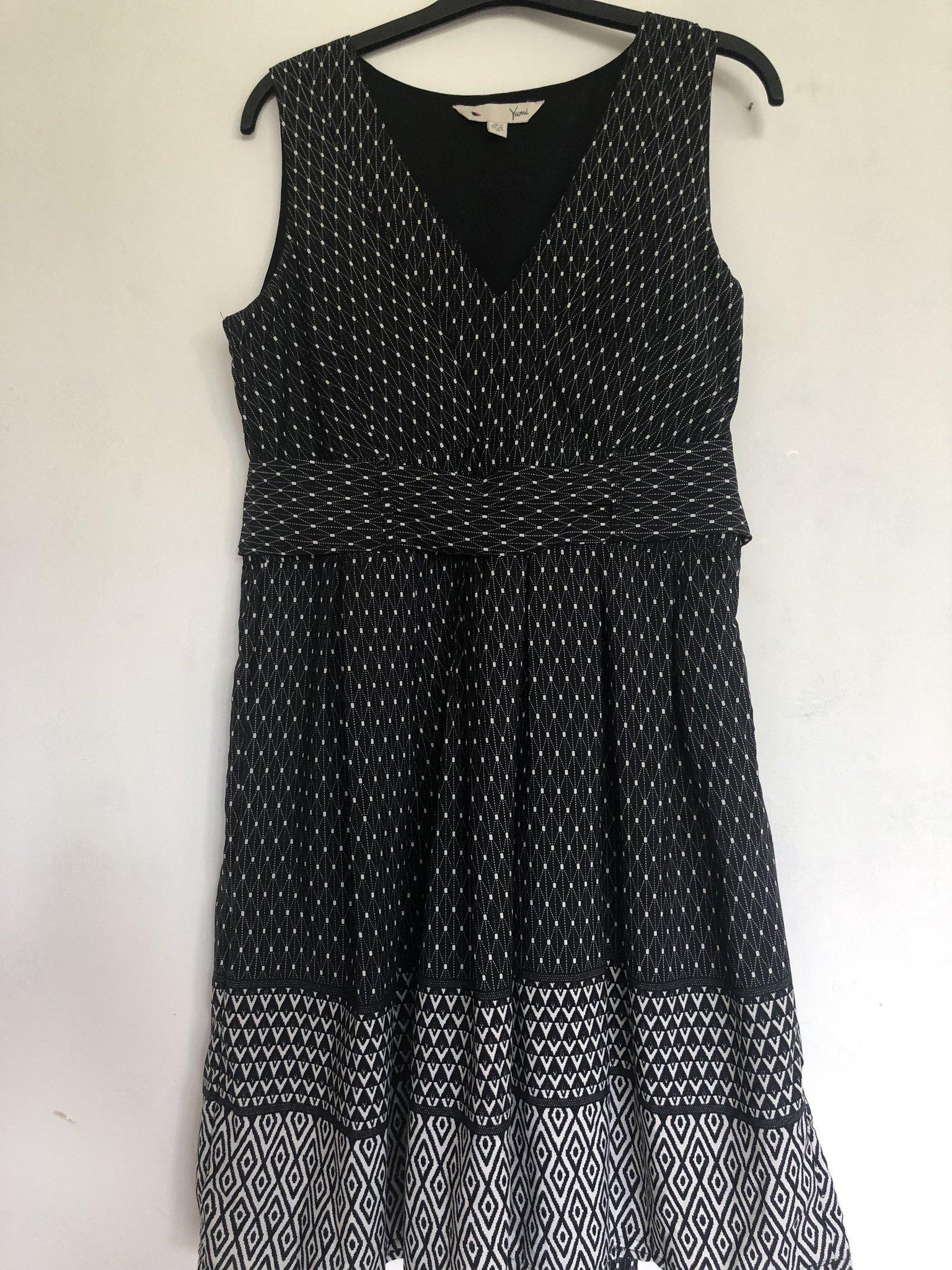 Klänning Yumi, strl 40 (407814697) ᐈ Köp på Tradera