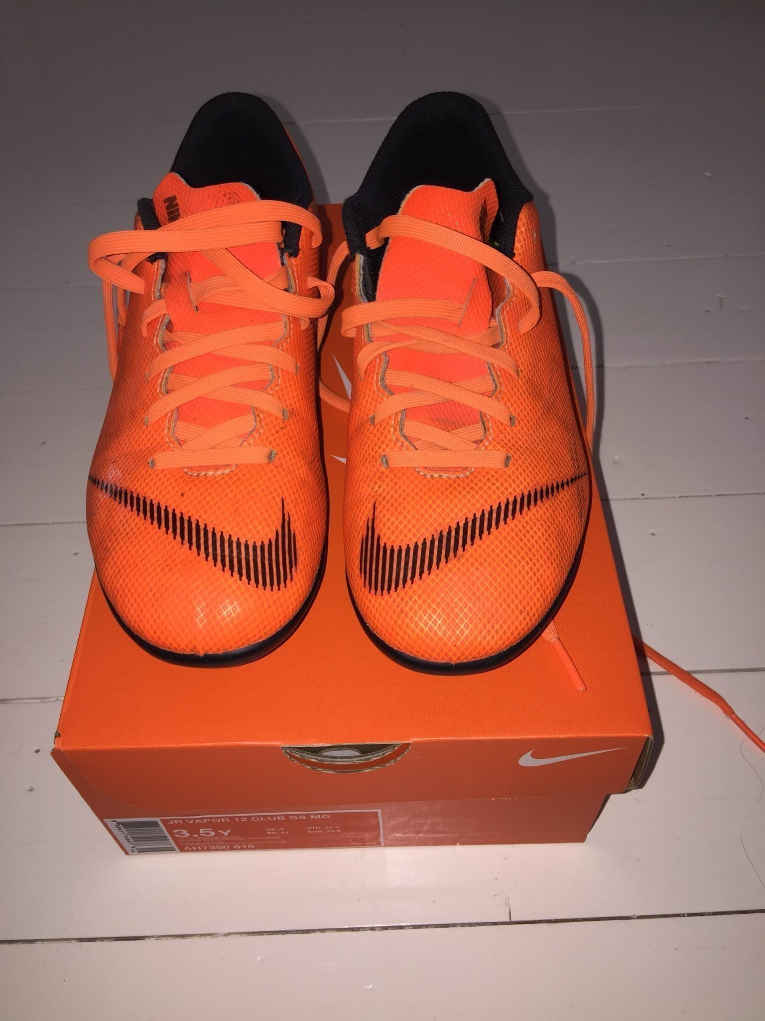 finest selection 96550 06e29 online store 9c5ba 4c3c9 Nike Fotbollsskor Fotboll Skor Storlek 35,5 Fina!
