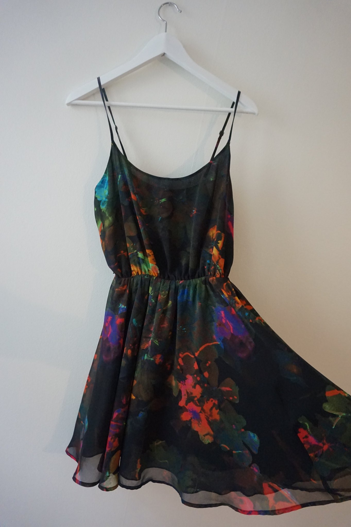 trendig höst mönstrad klänning från Hm trend st.. (364570335