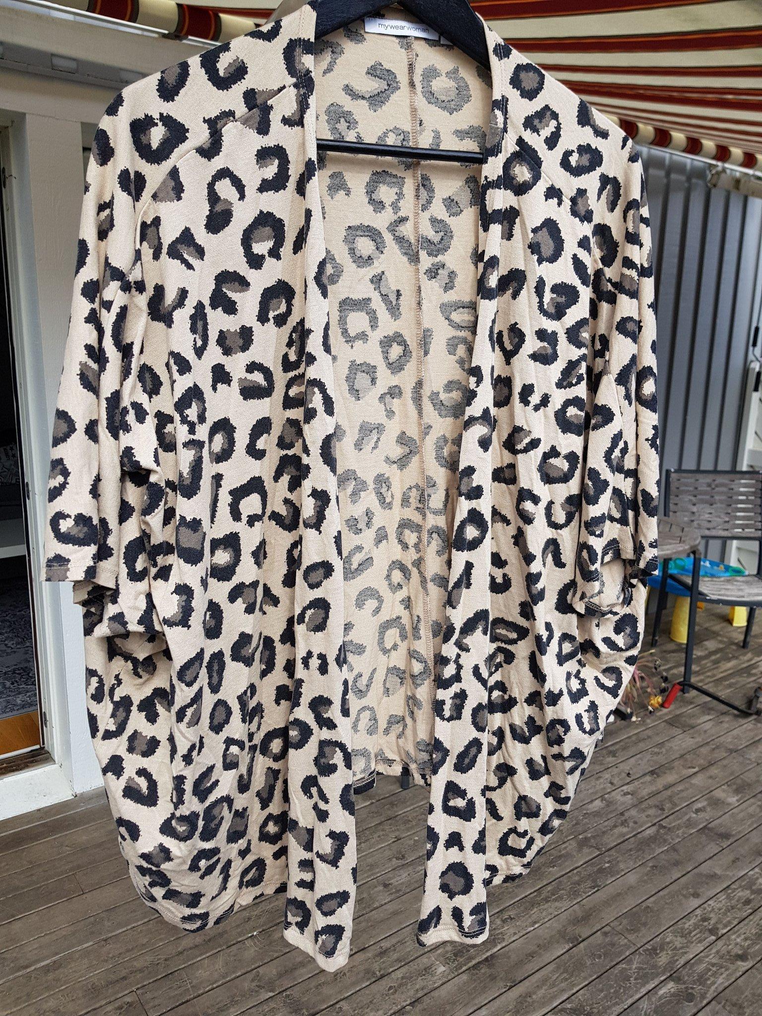 ab45e1985cc5 Fin tunn tunika/ kaftan leopard stl. S/M (349391009) ᐈ Köp på Tradera