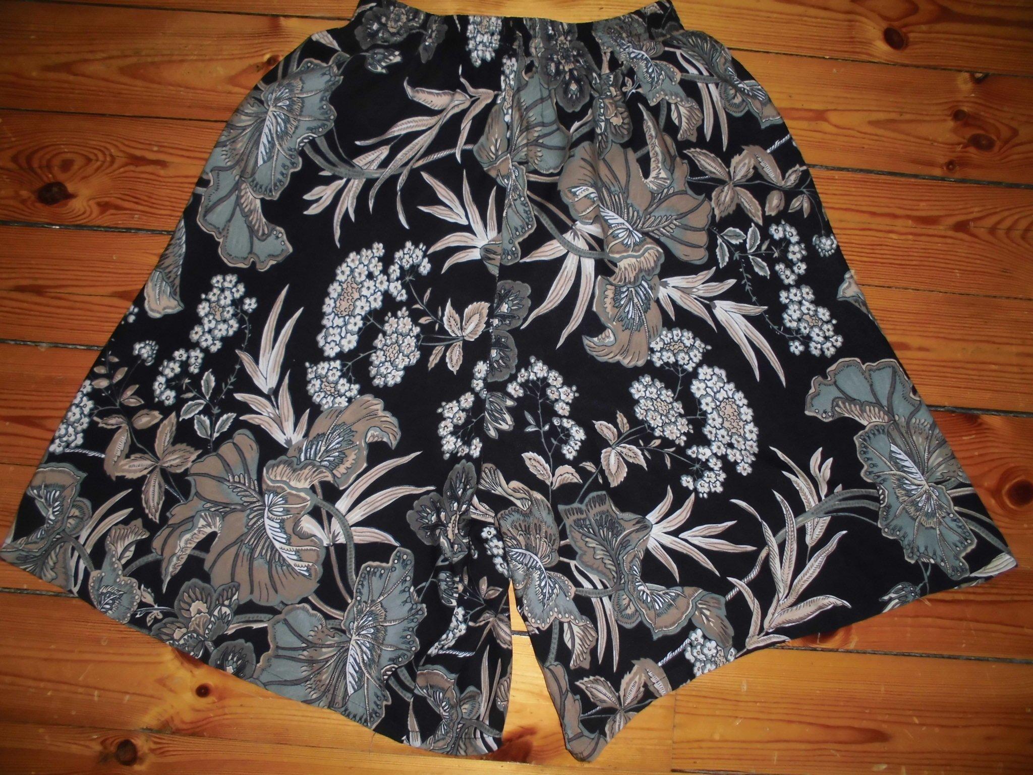 5f3cc396 Retro VINTAGE BYXKJOL, kjol, ITALIEN,80-90-tal,.. (354217592) ᐈ Köp ...