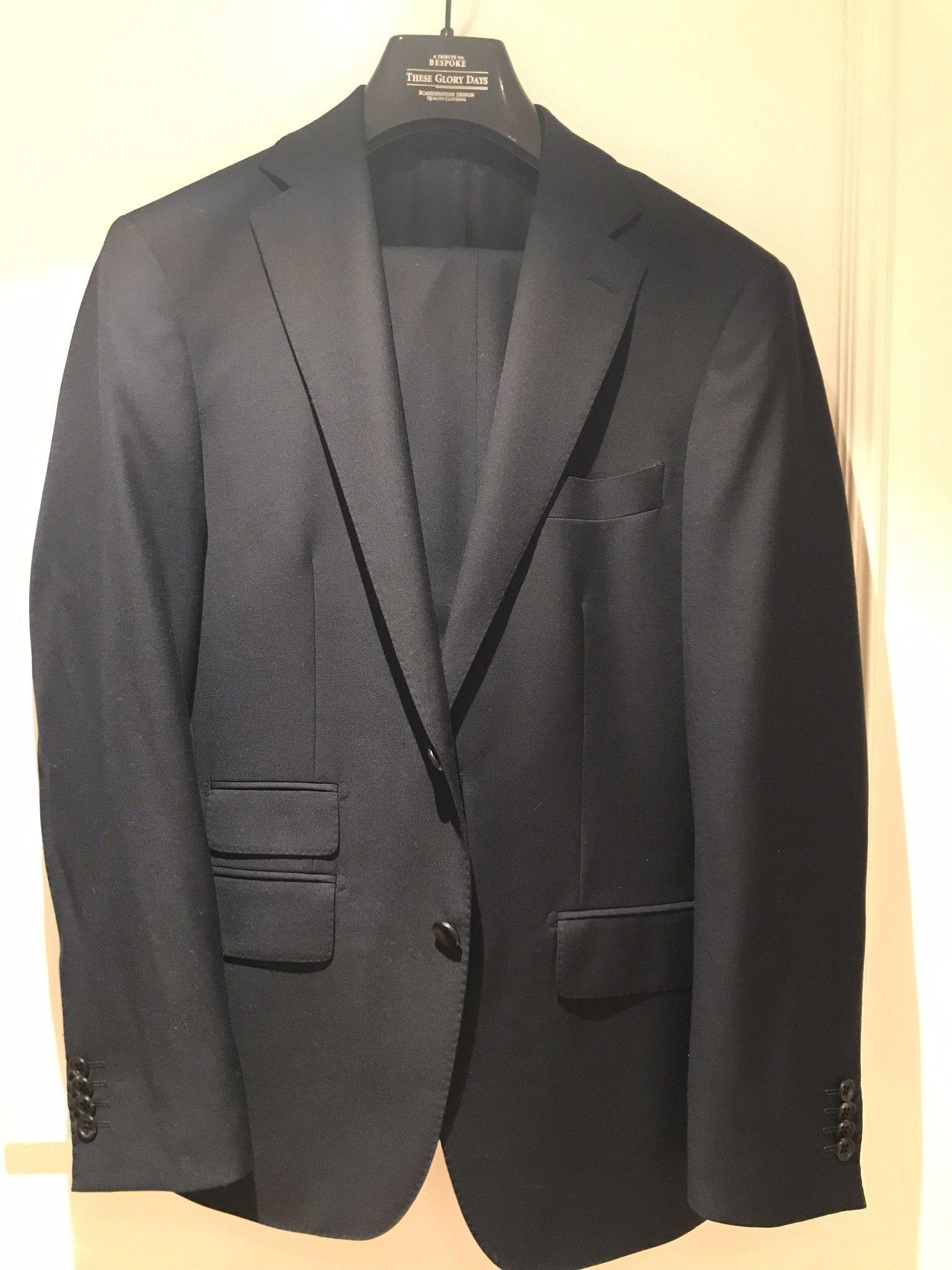 a3898f18 Mörk kostym (345243798) ᐈ Köp på Tradera