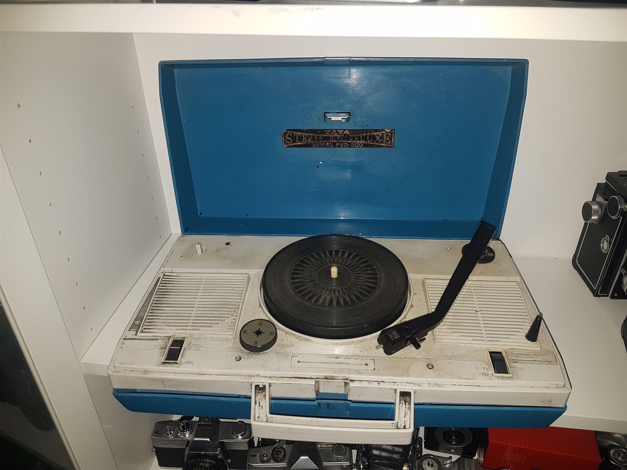 Gammal retro skivspelare Taya Stereo Hifi Delux.. (327480491) ᐈ Köp ... 1baea32a0fa25