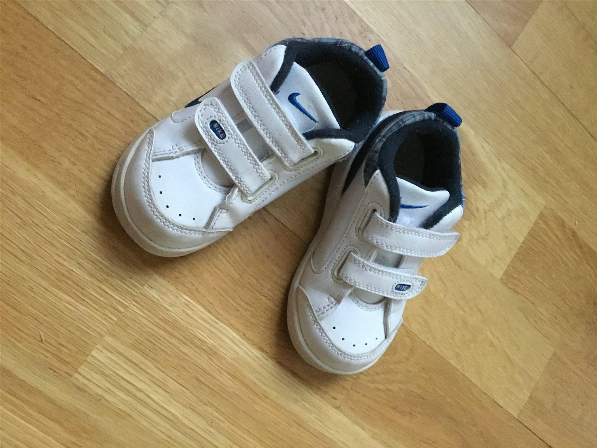 nike skor med kardborre
