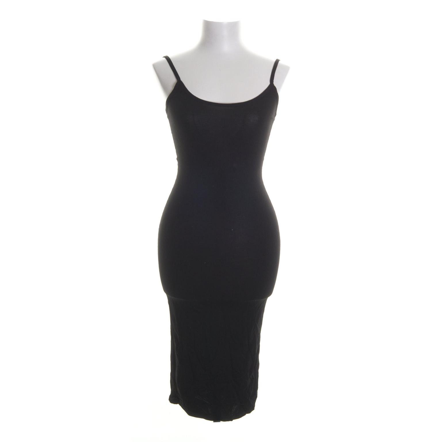 rebecca stella klänning svart