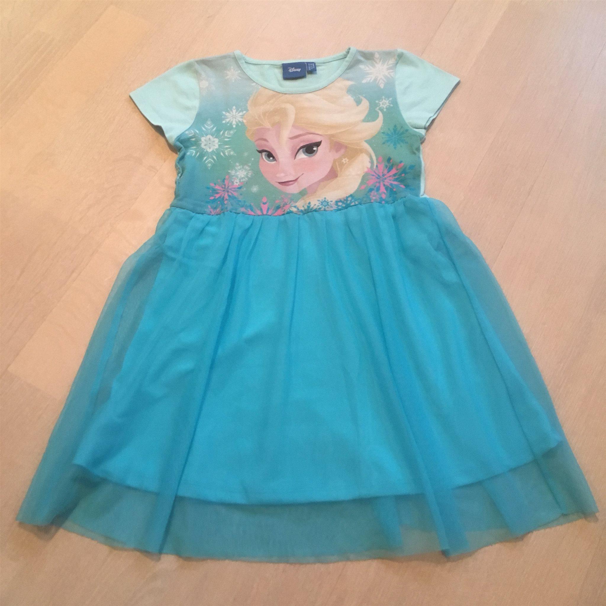 Klänning stl 122 från Lindex Elsa Frost Frozen (337313946) ᐈ Köp på ... 57a4ad39c9e13