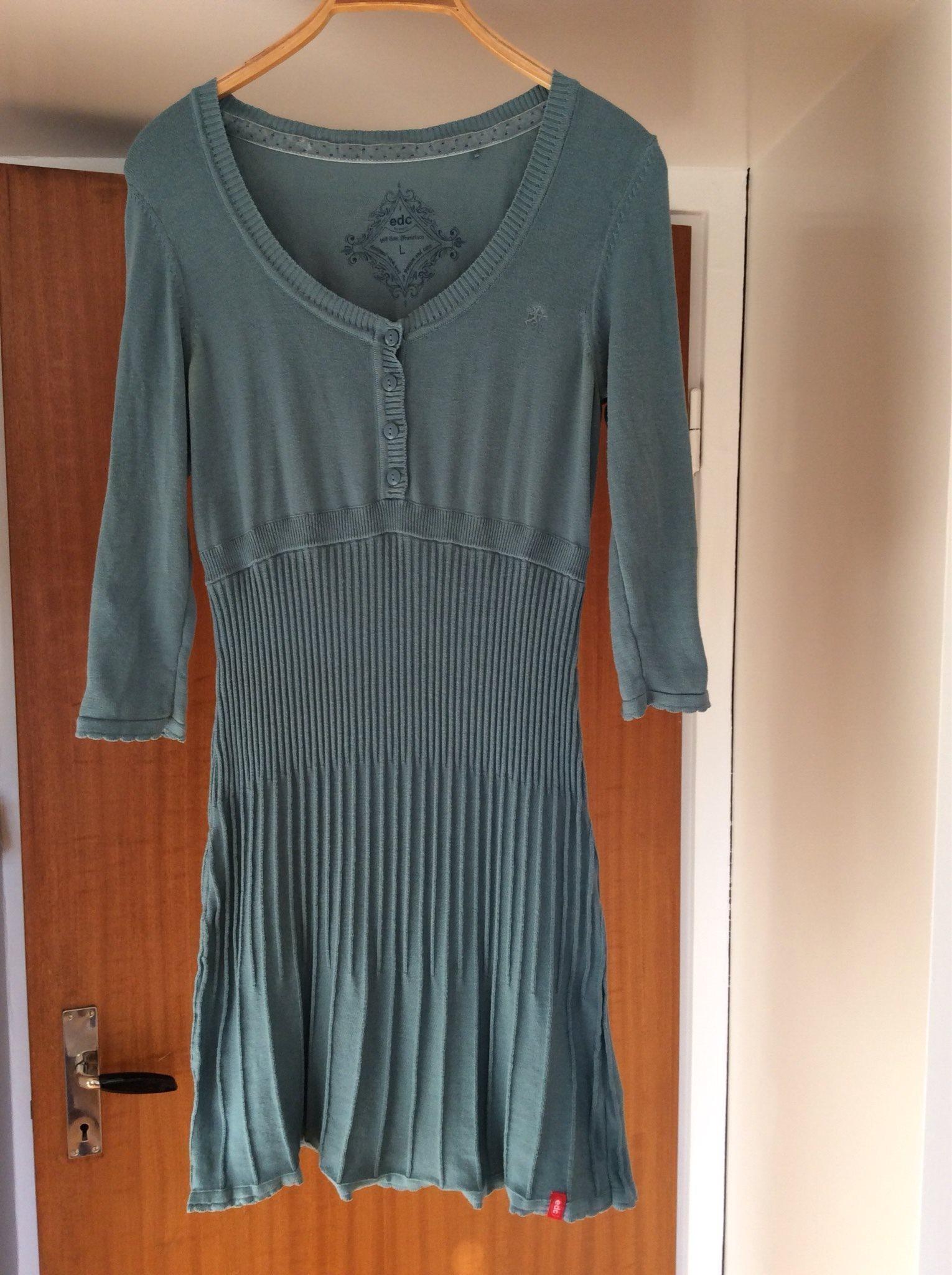Esprit stickad klänning, storlek L. (333430388) ᐈ Köp på