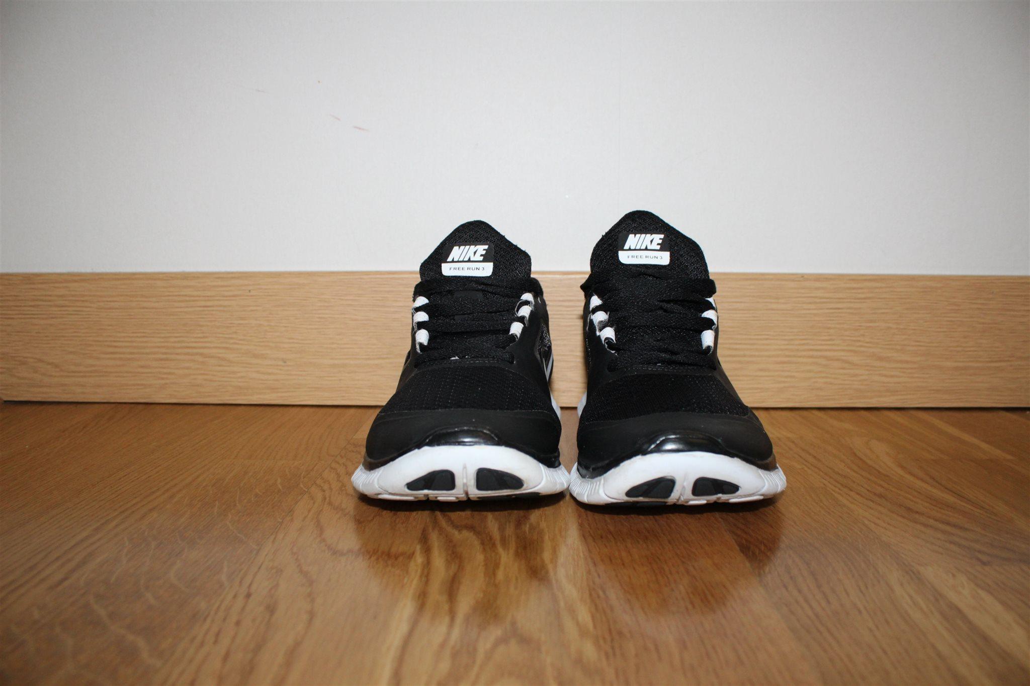 best sneakers d4e60 3f699 Stl 39 Sneakers Nike Free På Från Fint Skick Run 3 Skor Hqpp0