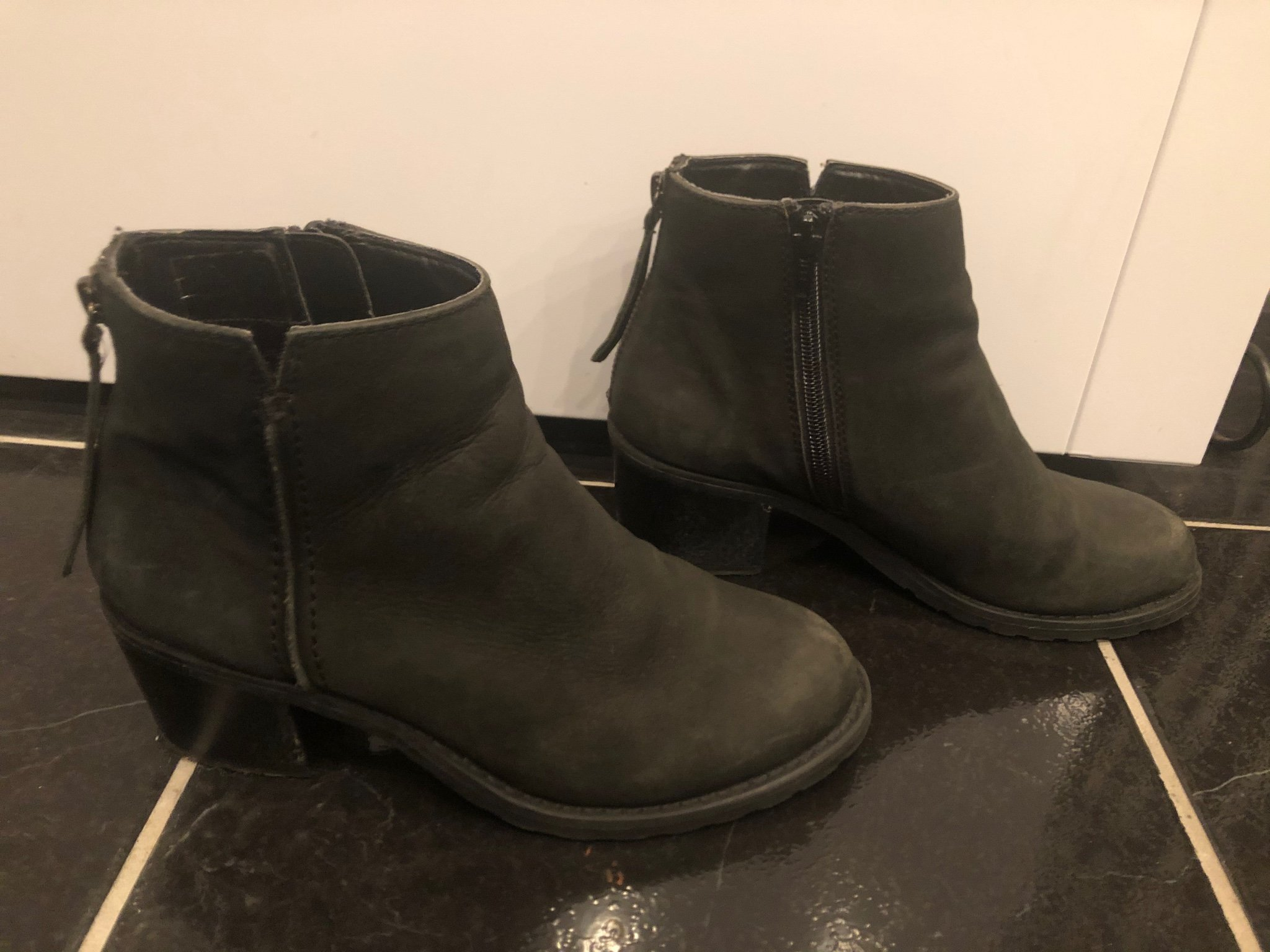Snygga skinn boots, svarta stl 36, fint beg.skick!