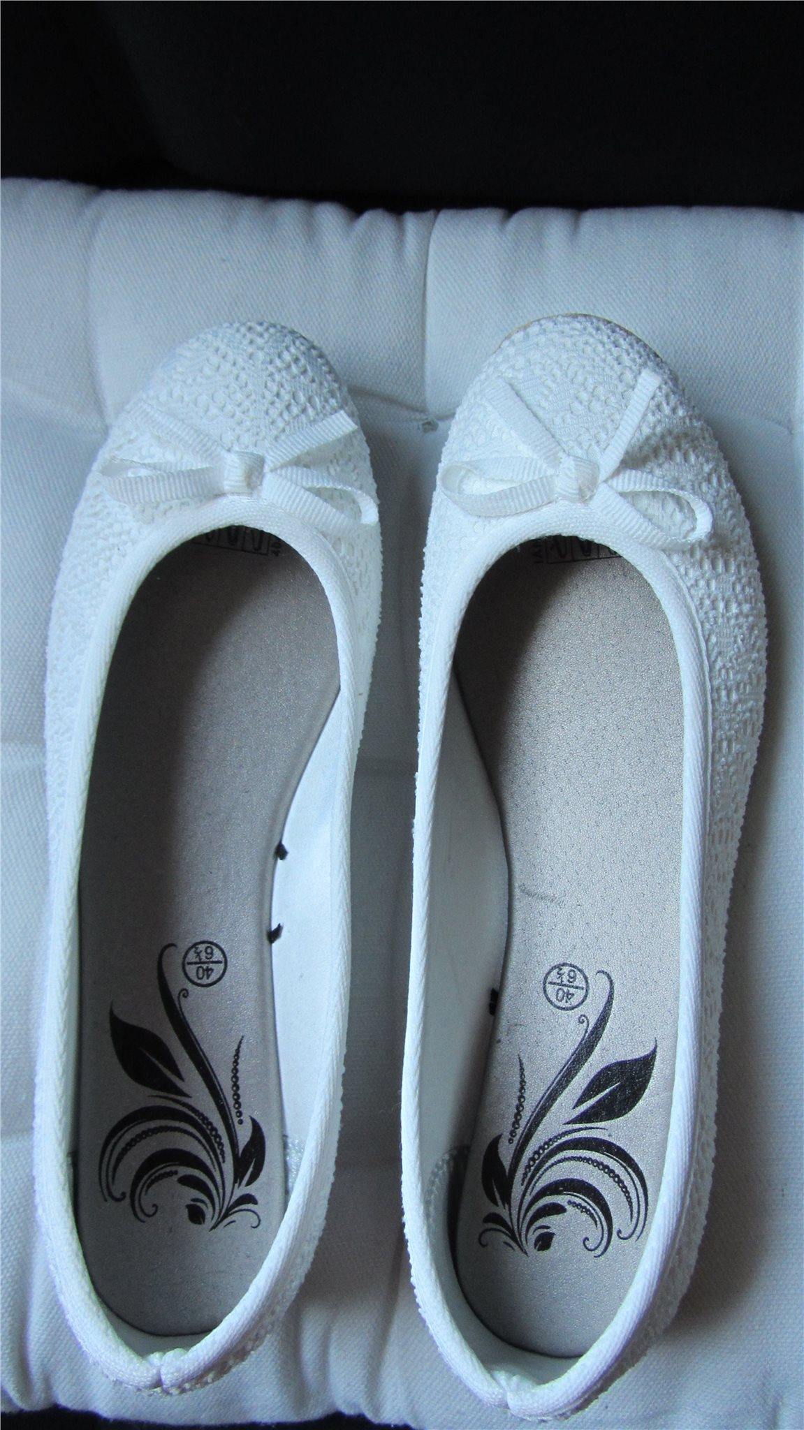 vita spets skor