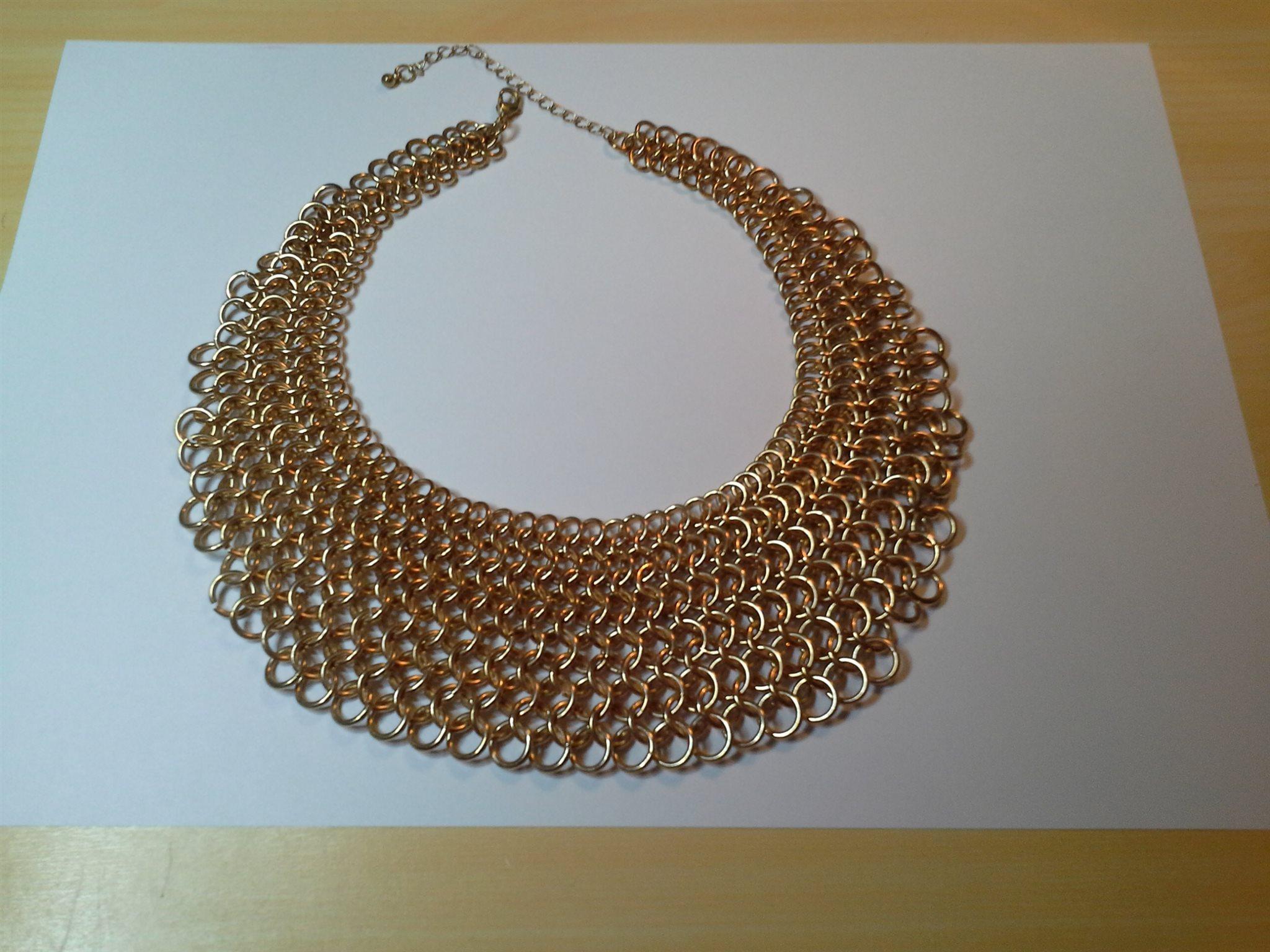 Magnifik halsband krage i guld färg ! (330363258) ᐈ Köp på Tradera f56fcc47c2d6b