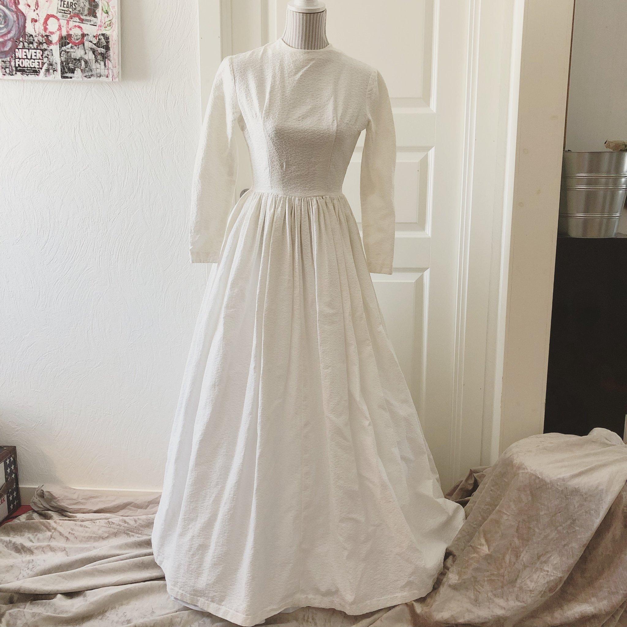 61376498ccb1 Äkta vintage brudklänning stl 34/36 vit klänning 50-tal balklänning ...