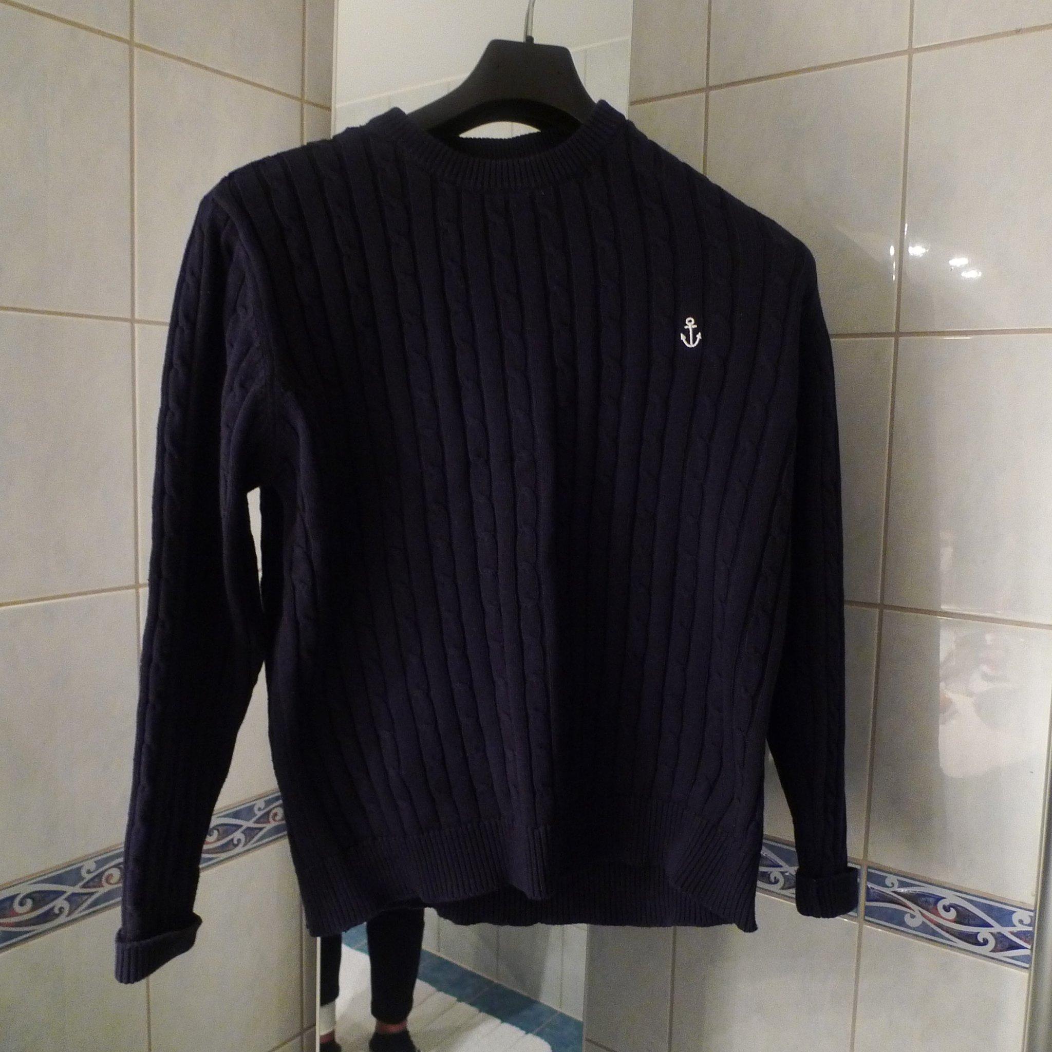 Kabelstickad marinblå tröja storlek 42 dam (394907170) ᐈ