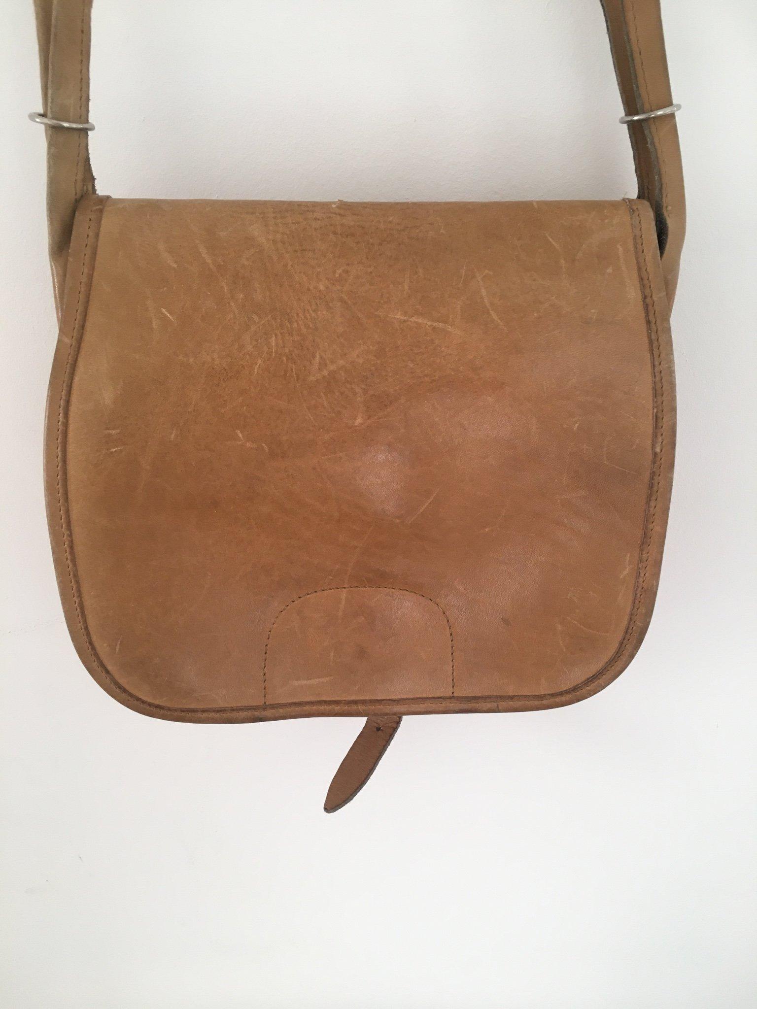 Axelremsväska i läder | Konjaksbrun | Herr | H&M SE | Väskor