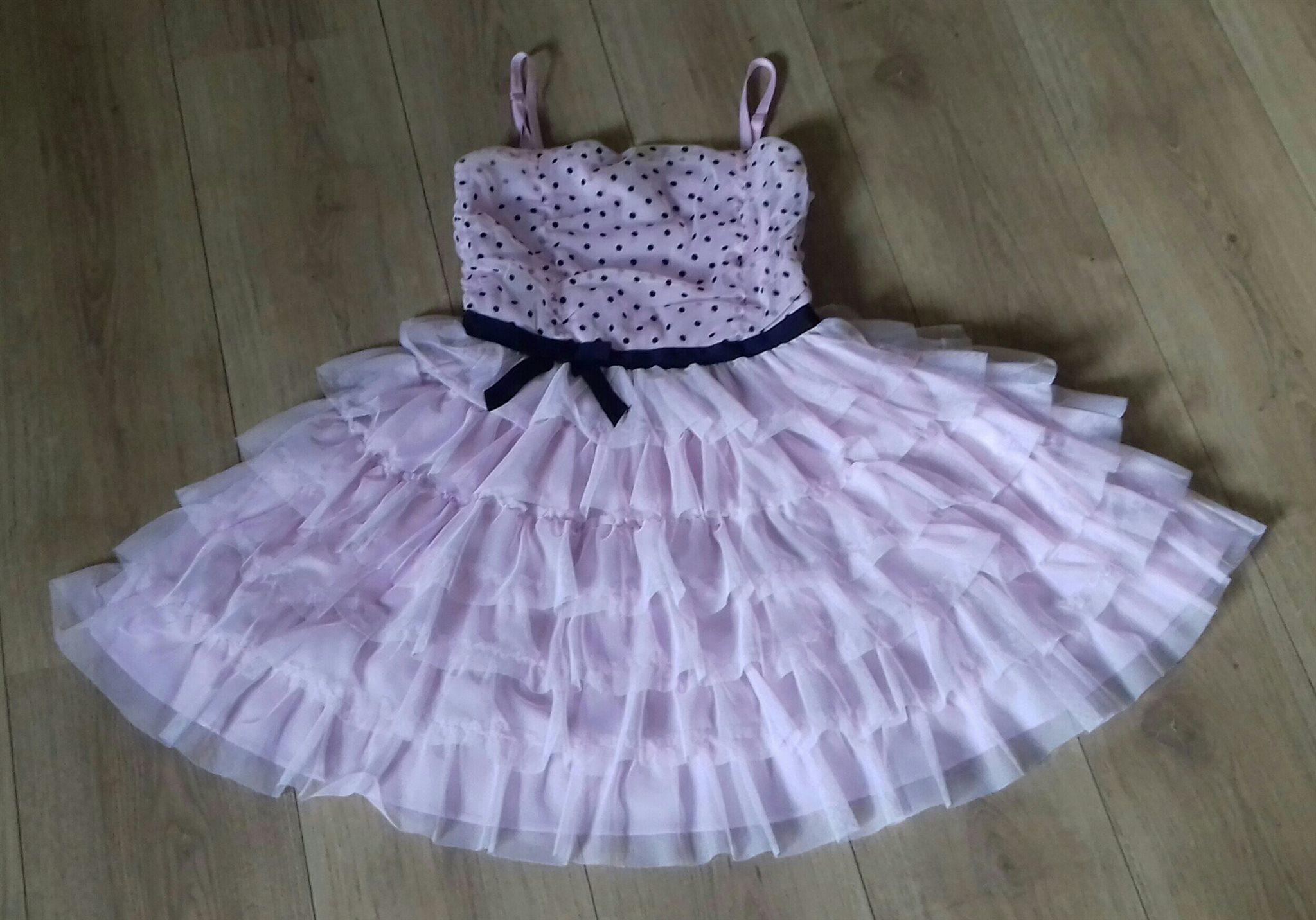 Klänning rosa med svarta prickar 73d254ce344e7