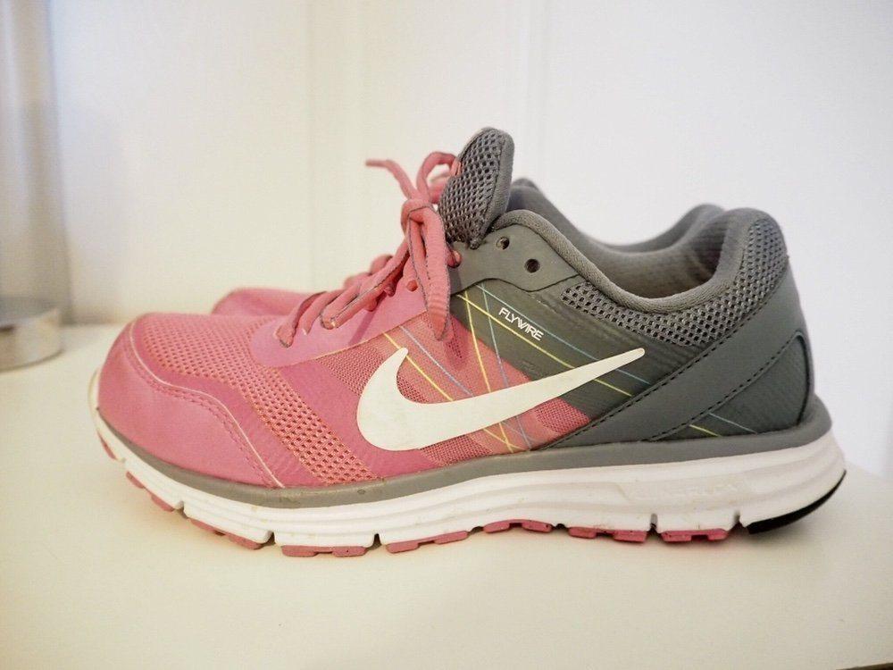 sale retailer bf9bc 1d668 Träningsskor Nike, stl 36,6