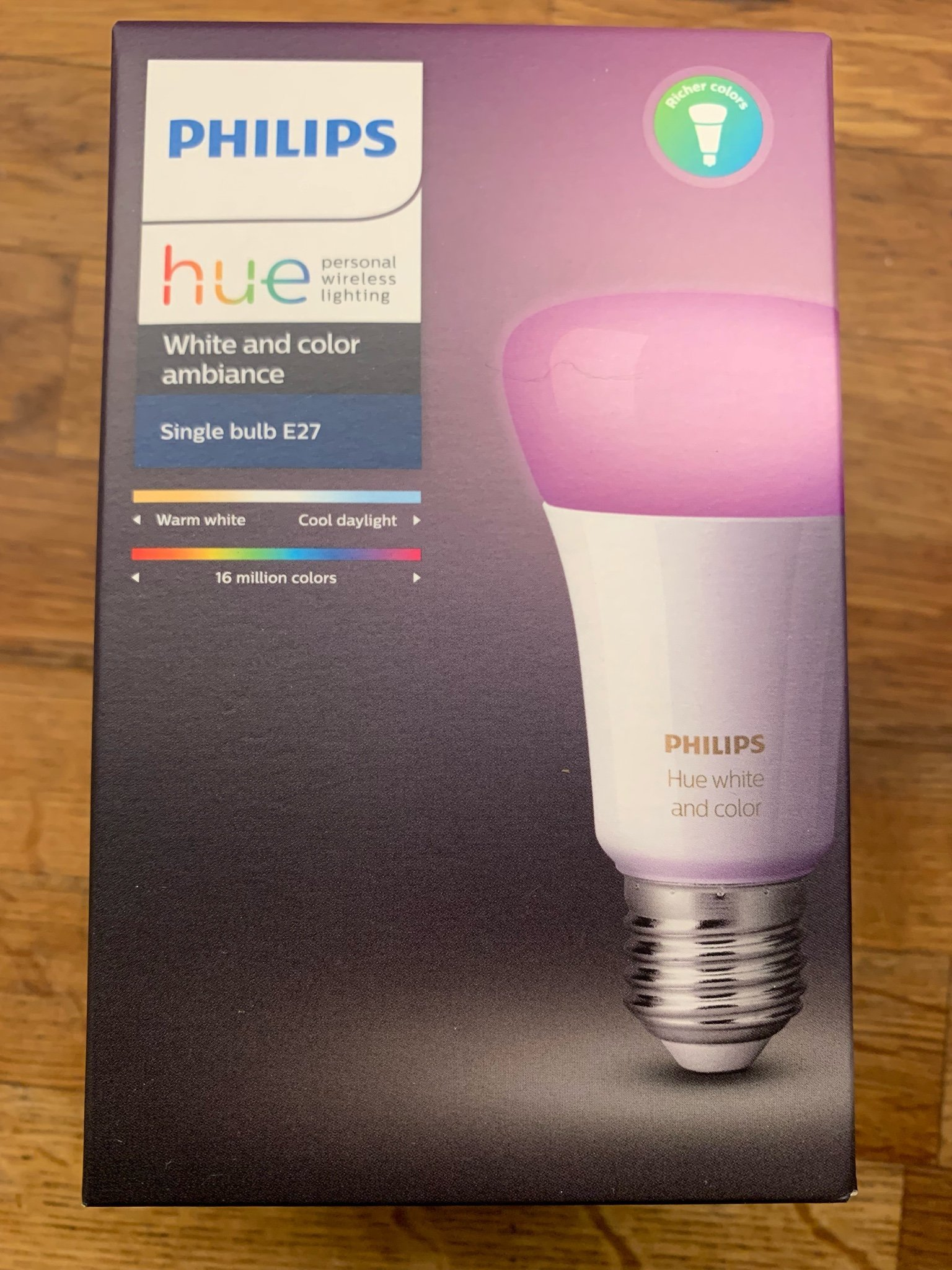 Philips hue color and white E27 lampa ny !!!