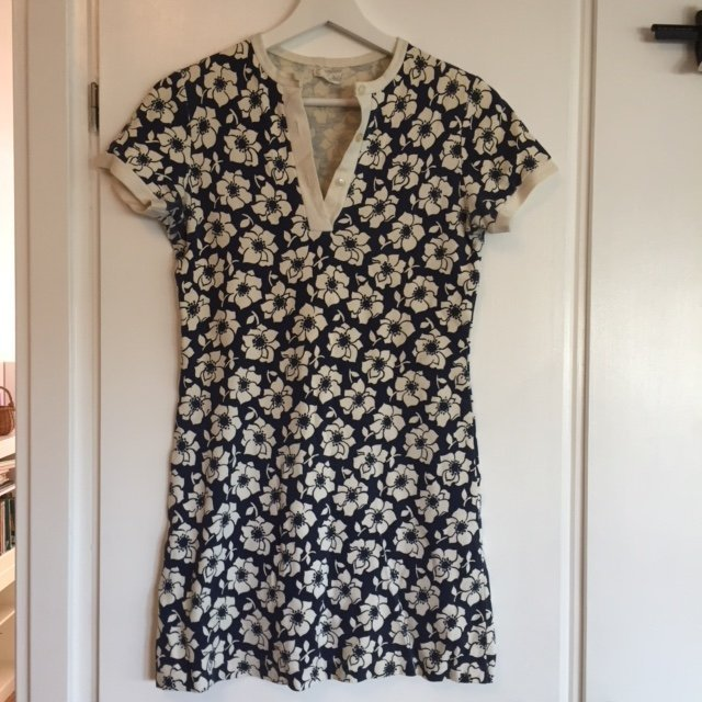 caa853c555ba Kort blå klänning med vita blommor - Vintage - .. (350261521) ᐈ Köp ...