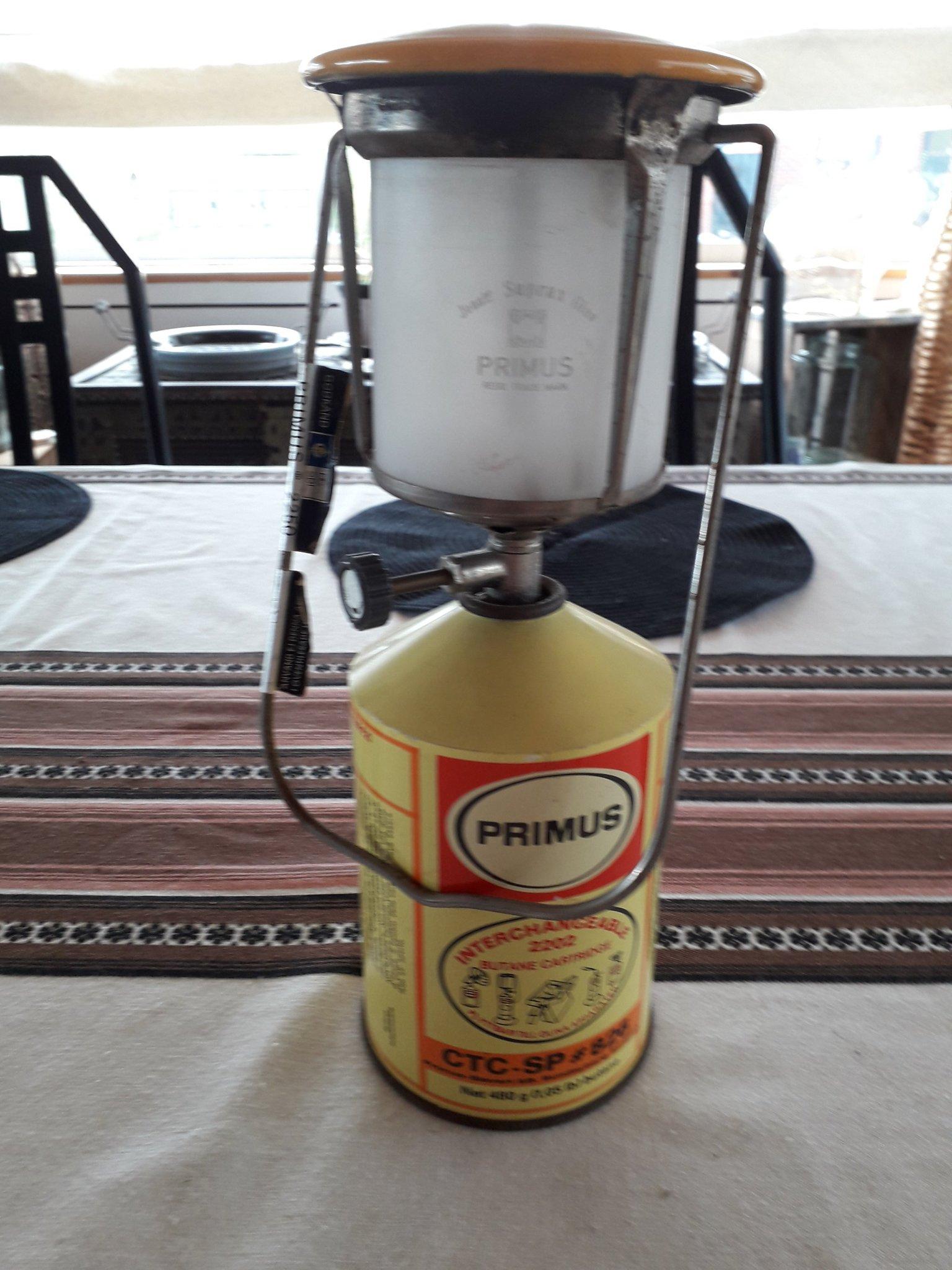 En PRIMUS lampa höjd med tub 30cm felar strumpa
