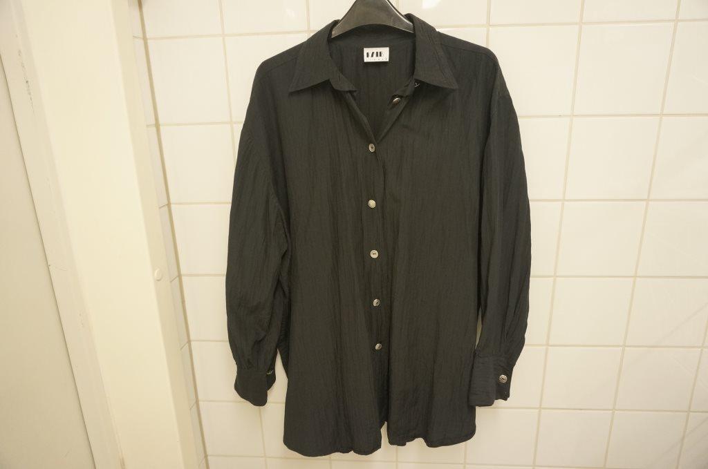 stor snygg svart topp blus skjorta 52 54
