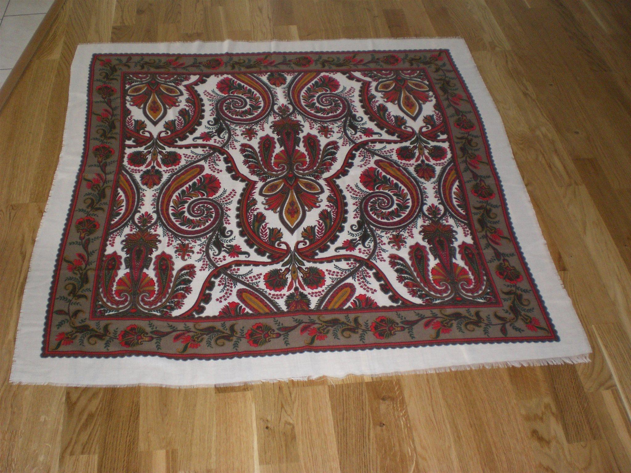 Halsduk stor duk vintage (338239853) ᐈ Köp på Tradera c8f03e0857541