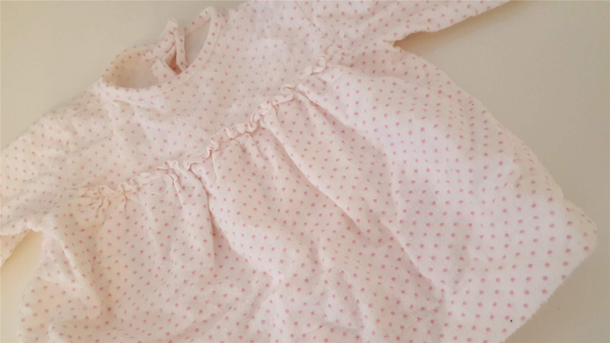Dockkläder klänning. Vit med rosa prickar (340254757) ᐈ Köp på Tradera c452695e2a596