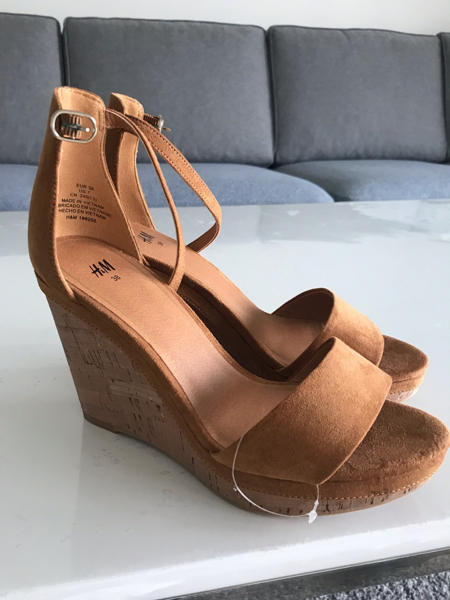 5eb6c90d5f1 Jätte fina sommar skor helt nya stl 38! (344202716) ᐈ Köp på Tradera