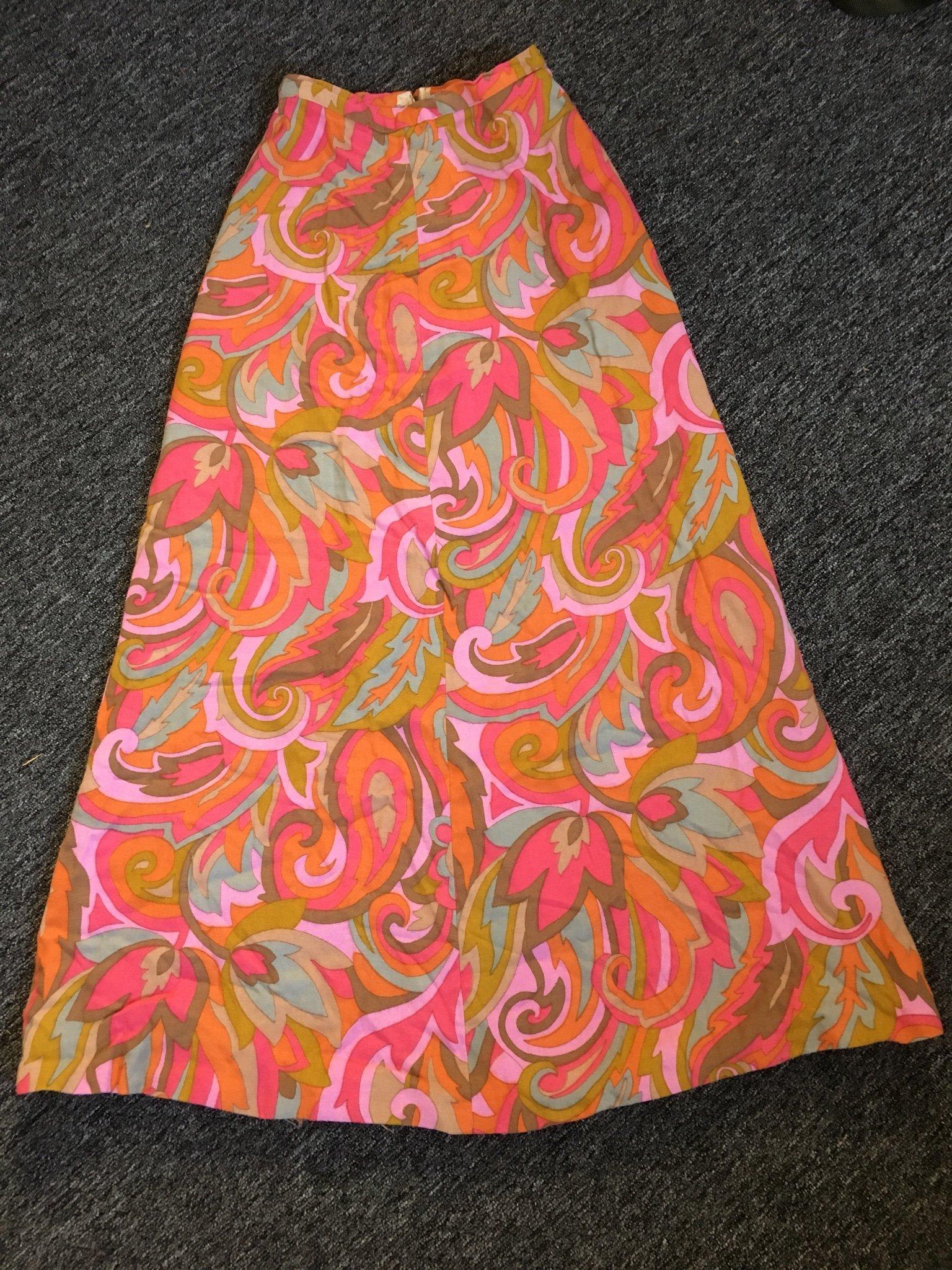 c4b83cf412b8 Underbar retro lång kjol från 60-tal e 70-talet (349108602) ᐈ Köp ...