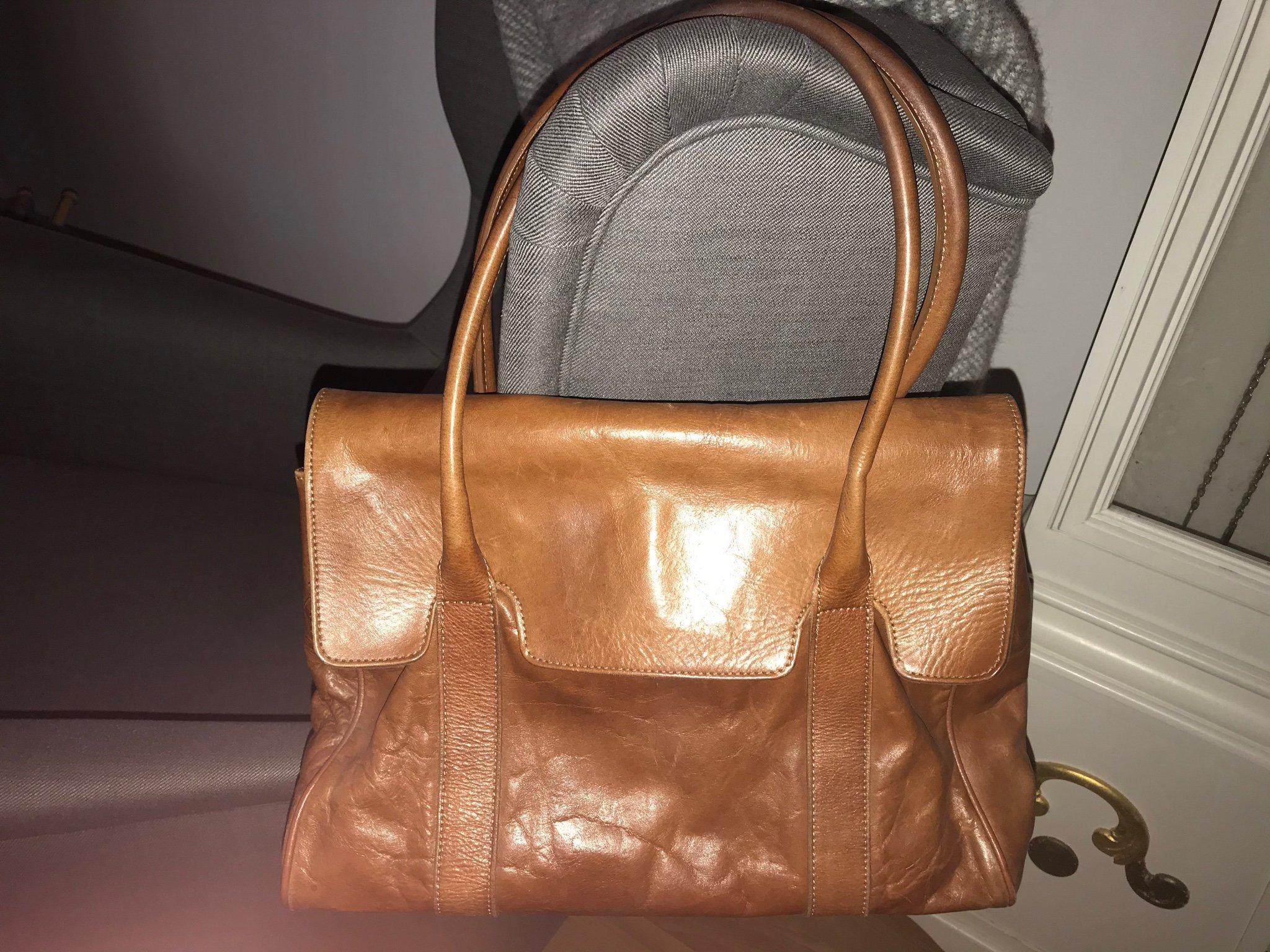 Stilren handväska i skinn ( läder Rizzo väska skinnväska datorväska